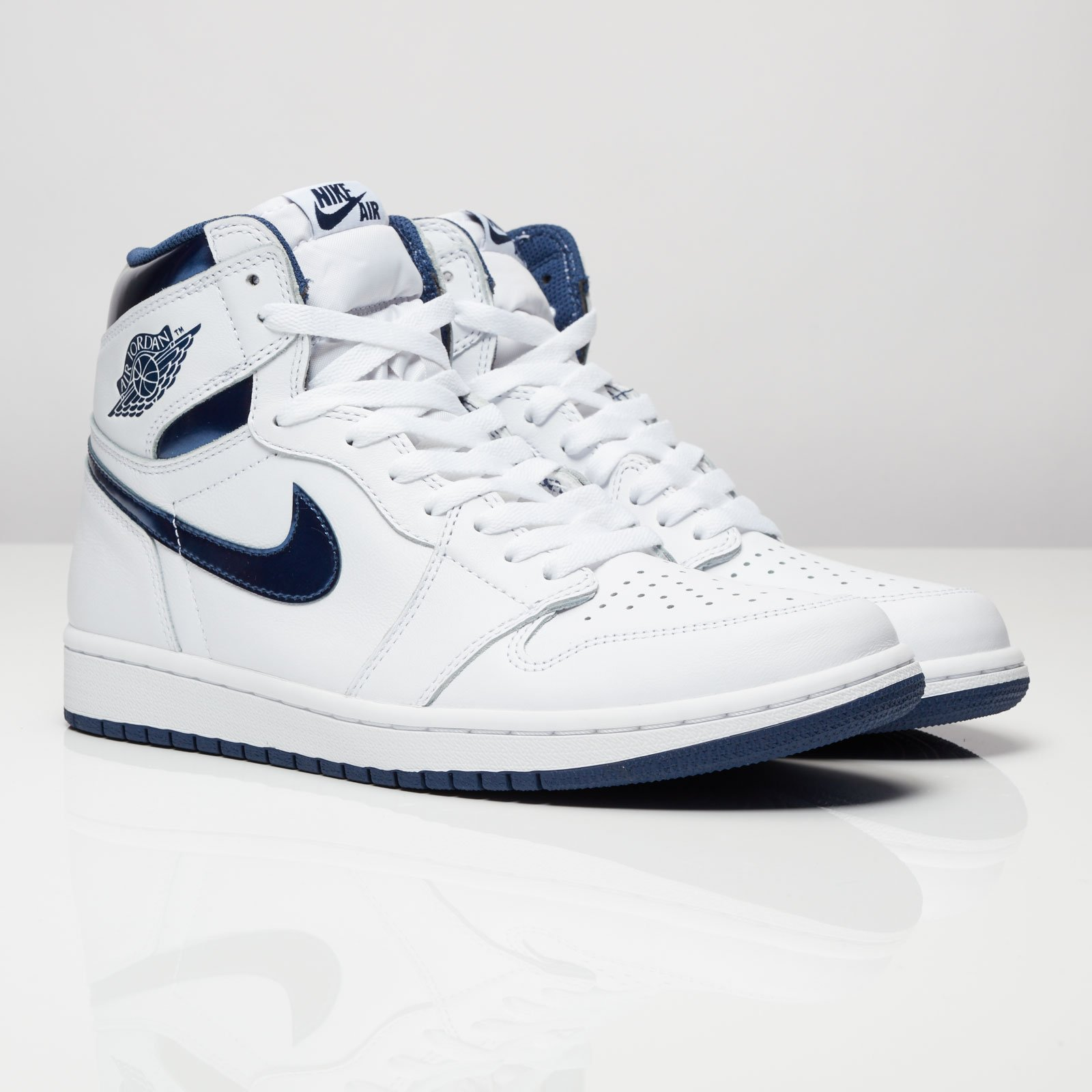 half off 013d0 1b78b Jordan Brand Air Jordan 1 Retro High OG