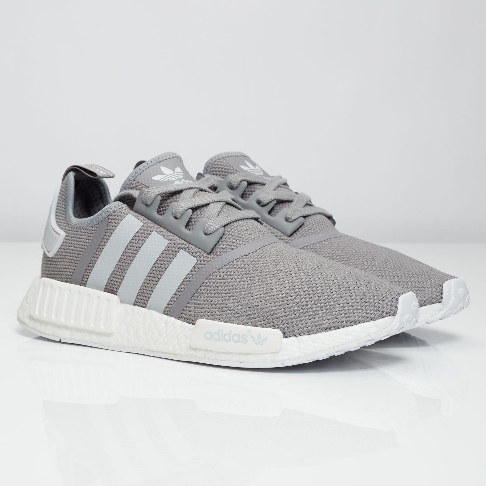 grå adidas