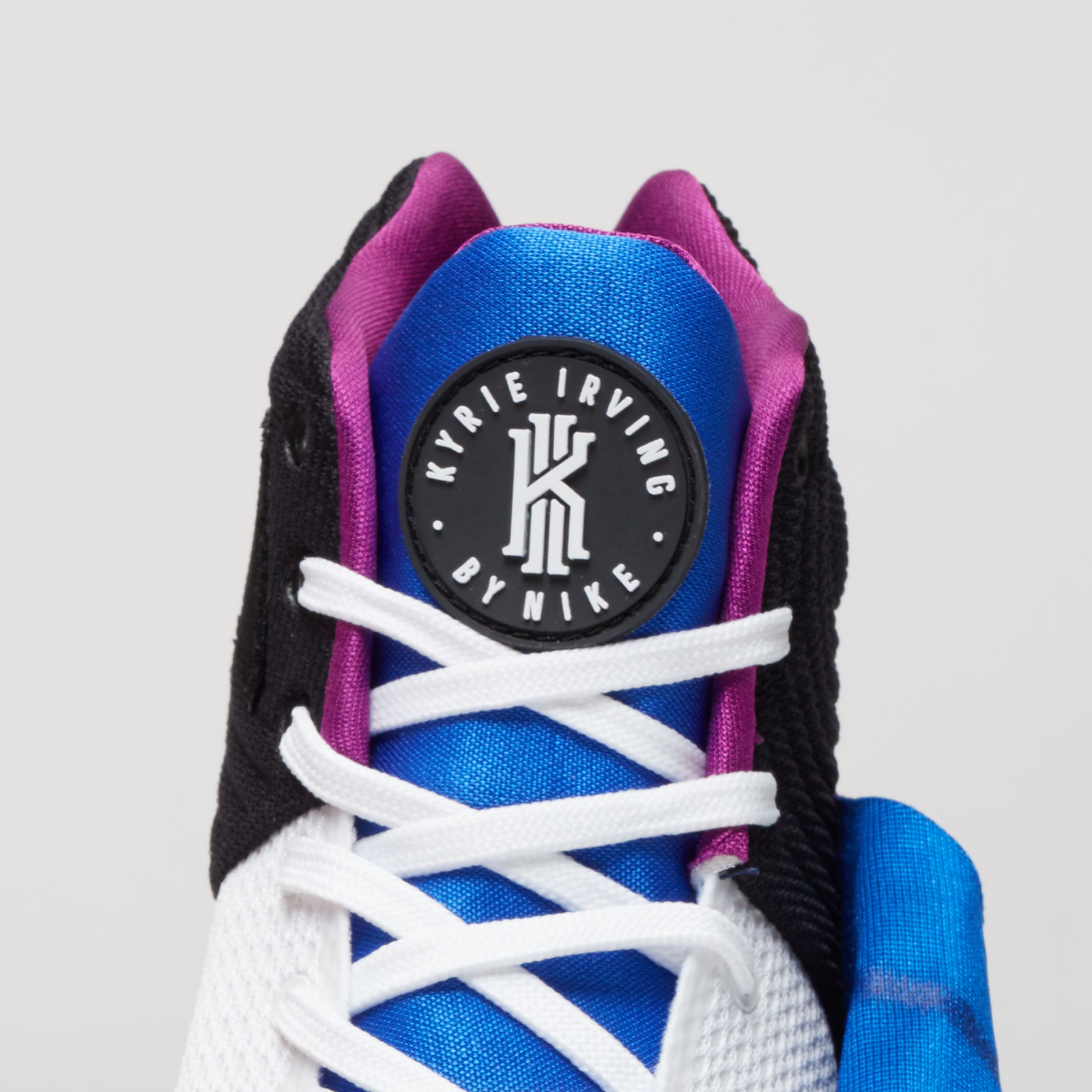 f2910e3500a2 Nike Kyrie 2 - 819583-104 - Sneakersnstuff