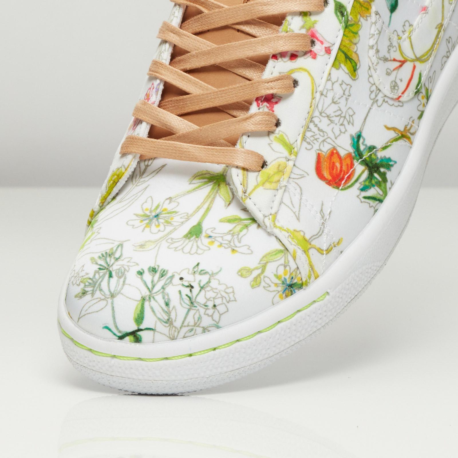 9571d1f0021c Nike W Tennis Classic Ultra LIB QS - 745982-101 - Sneakersnstuff ...