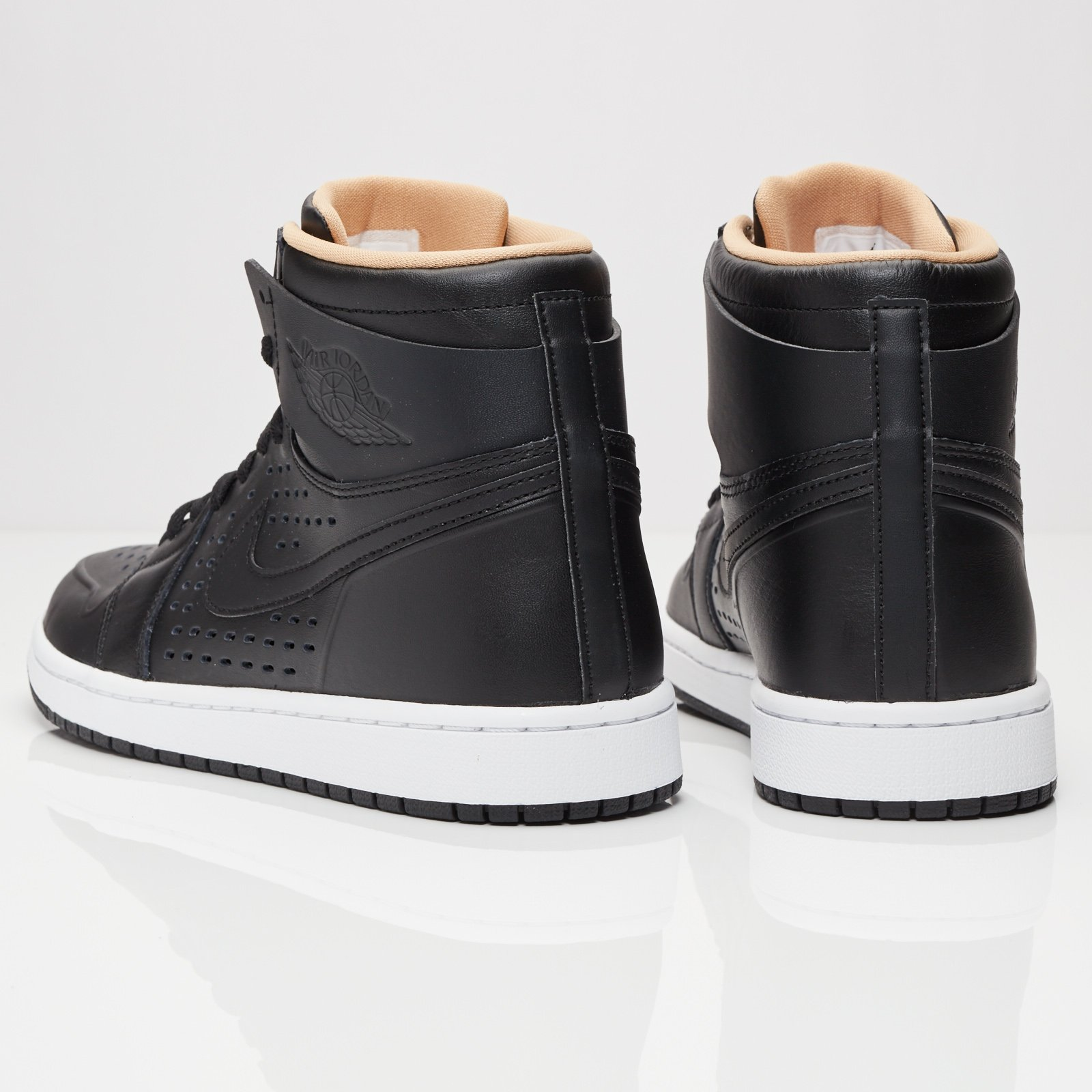 27a8043d82e832 Jordan Brand Air Jordan 1 Retro High - 845018-030 - Sneakersnstuff ...