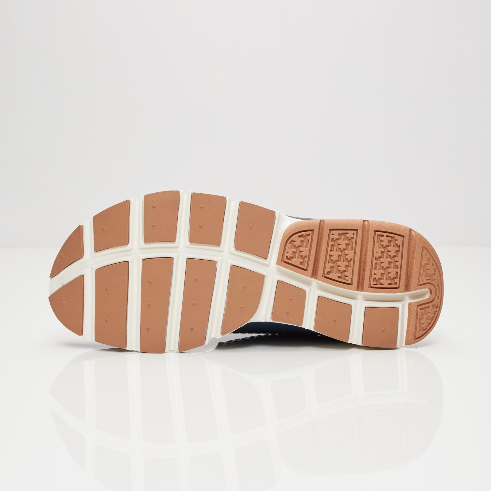 84043ca2d287 Nike Wmns Sock Dart - 848475-400 - Sneakersnstuff