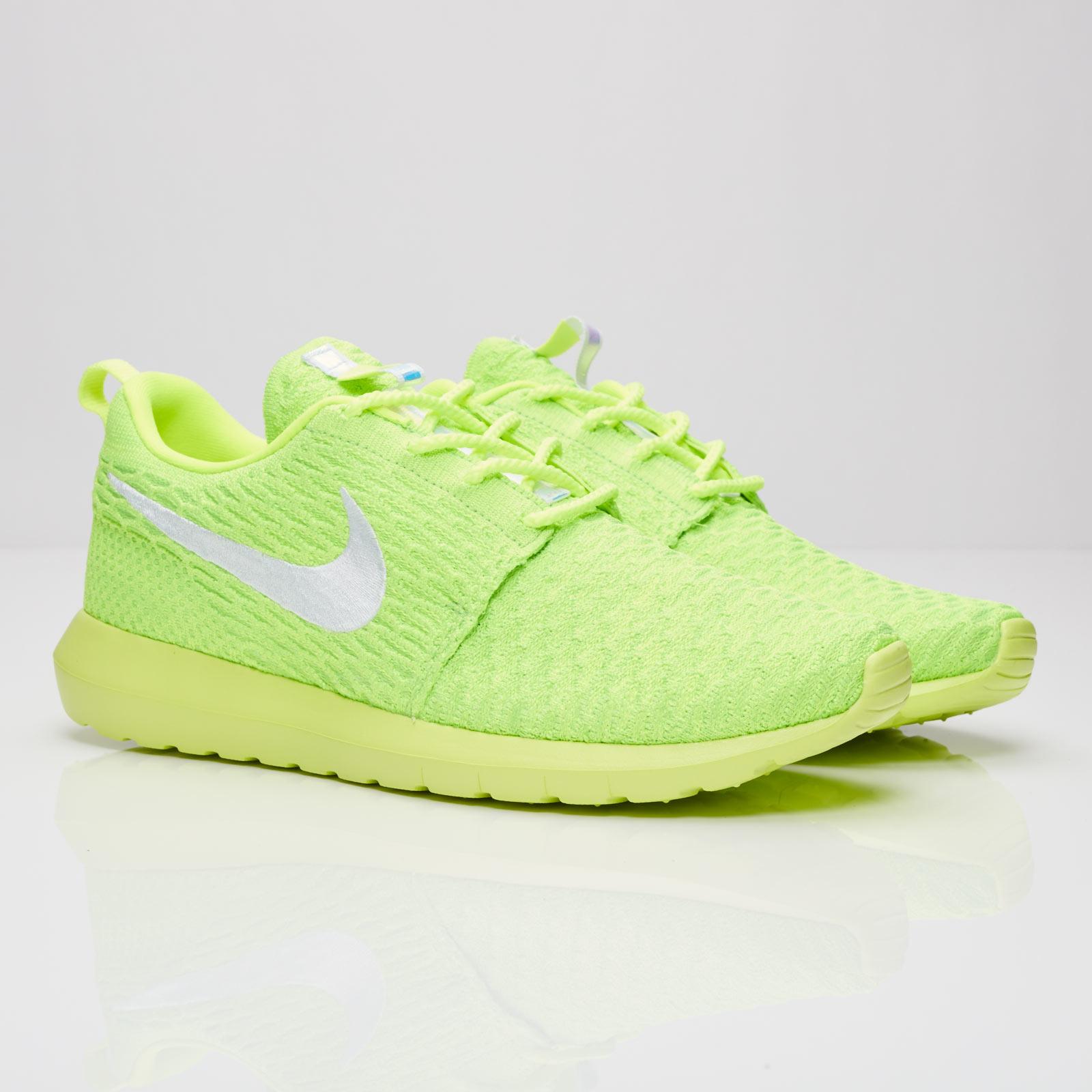 ef14fbf63e763 Nike Roshe NM Flyknit - 677243-701 - Sneakersnstuff