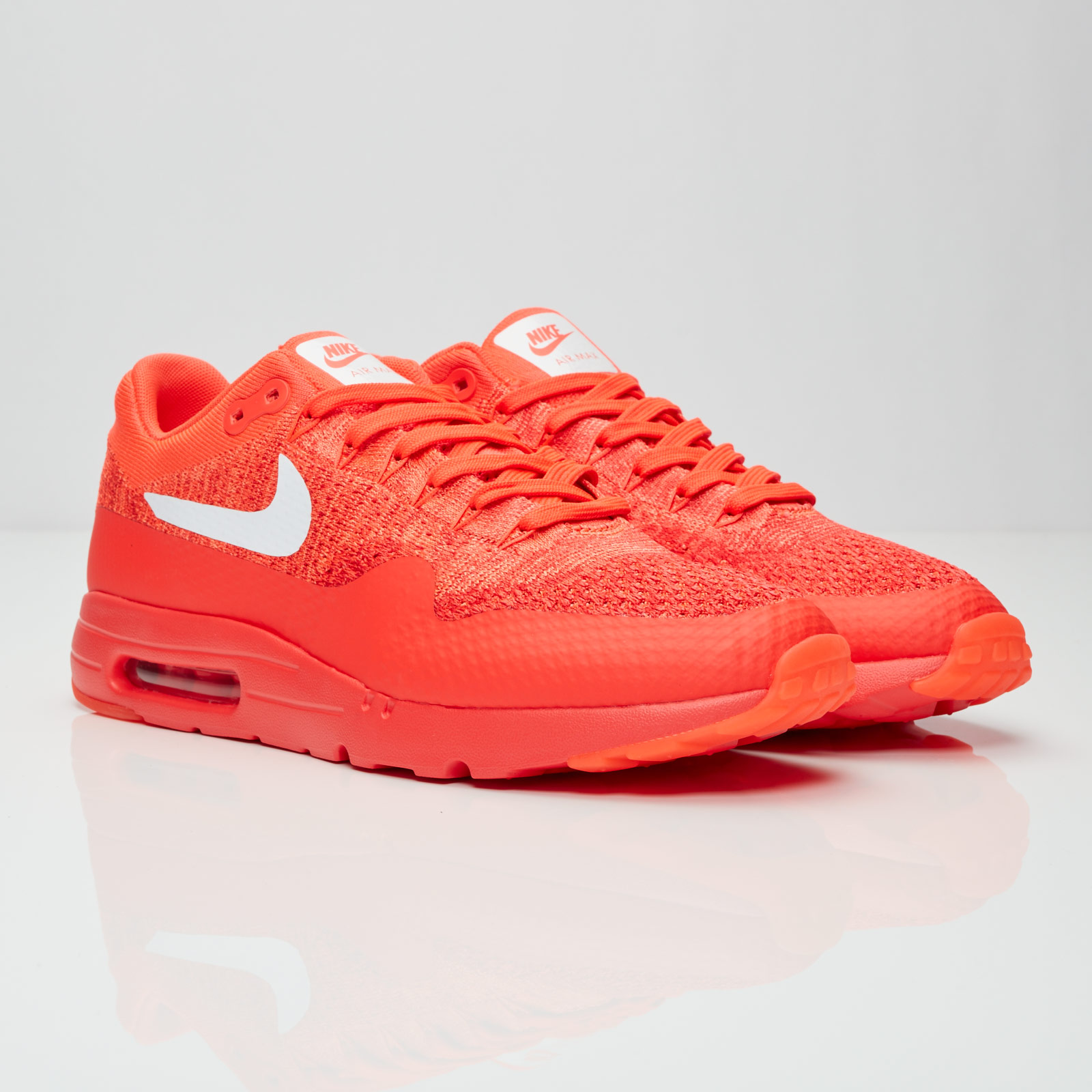 Wmns Nike Air Max 1 Ultra Flyknit WhiteUniversity Red