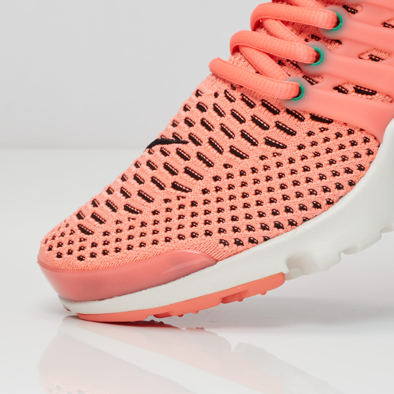 separation shoes 7e856 ab222 ... Nike Wmns Air Presto Flyknit Ultra ...