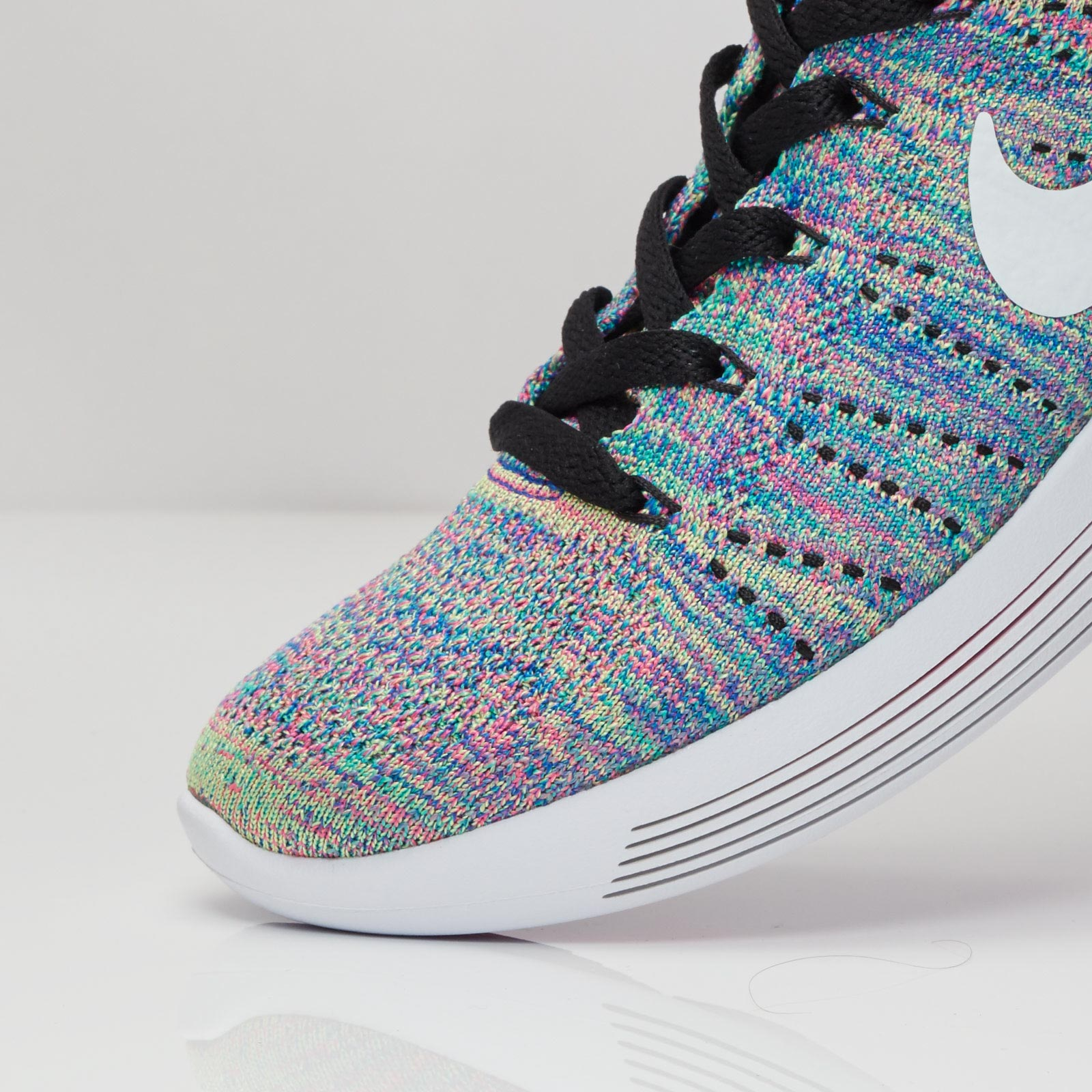 a0a11e07af77 Nike Wmns Lunarepic Low Flyknit - 843765-004 - Sneakersnstuff ...
