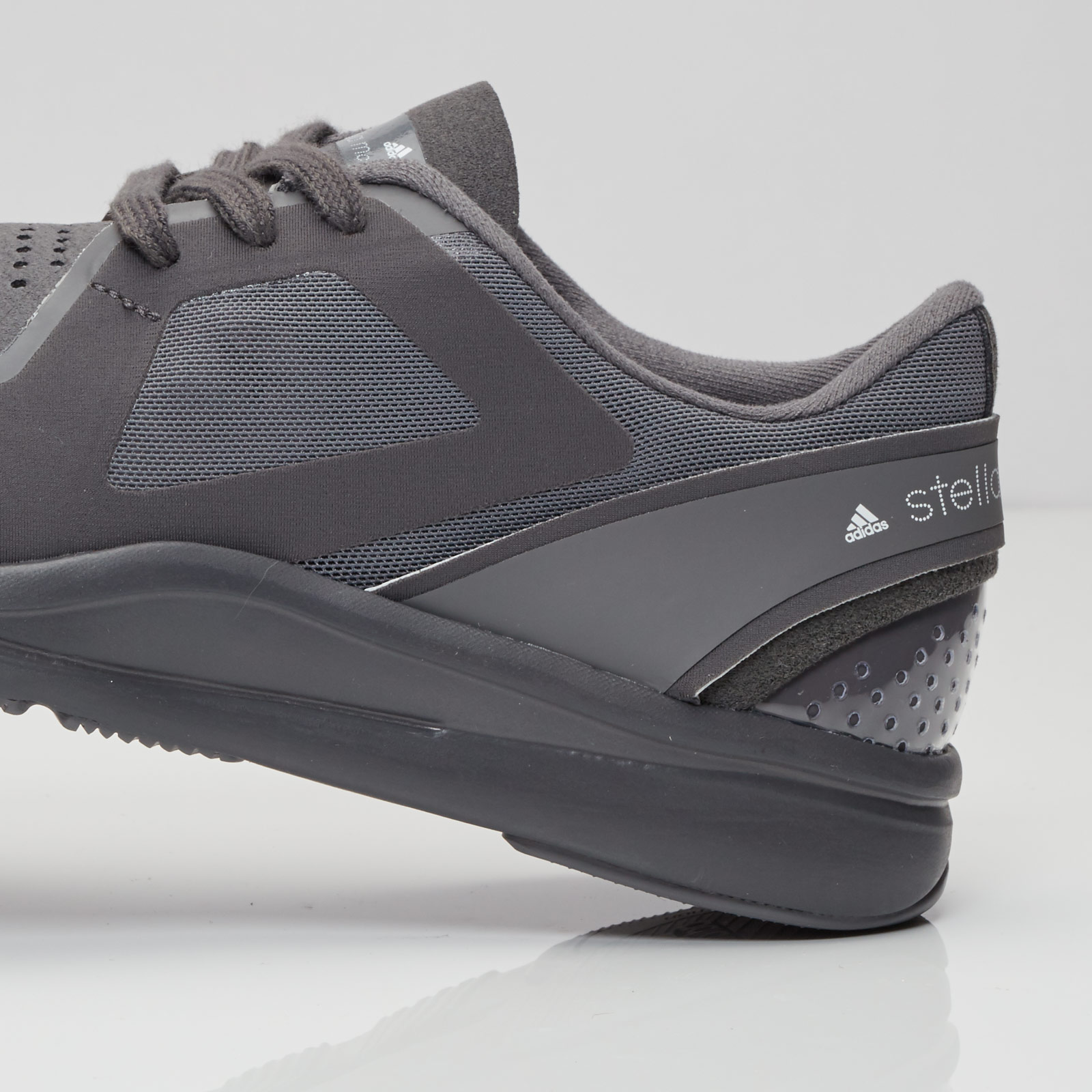 Adidas alayta aq2701 sneakersnstuff zapatilla & Streetwear