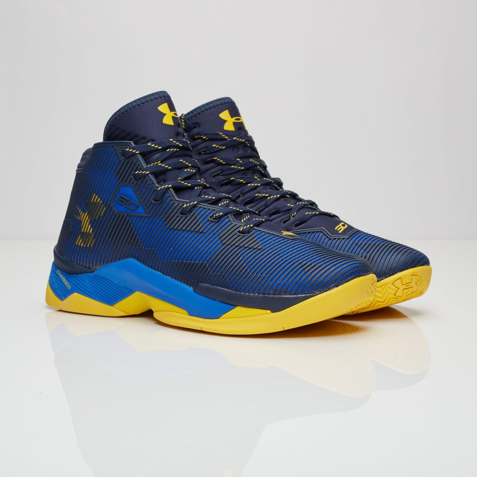 1a00137108dd Under Armour Curry 2.5 - 1274425-400 - Sneakersnstuff
