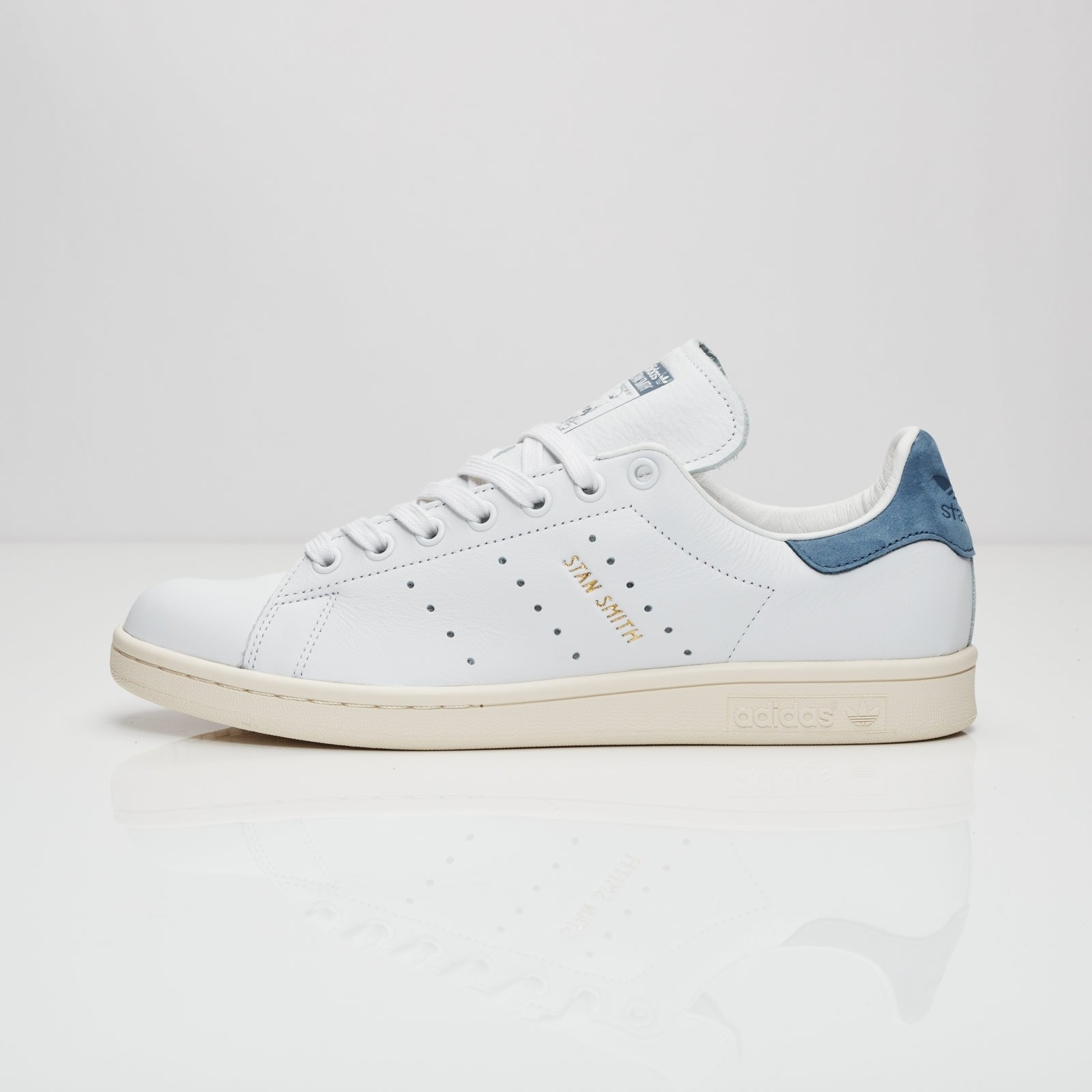 adidas originals stan smith trainers in white s80026