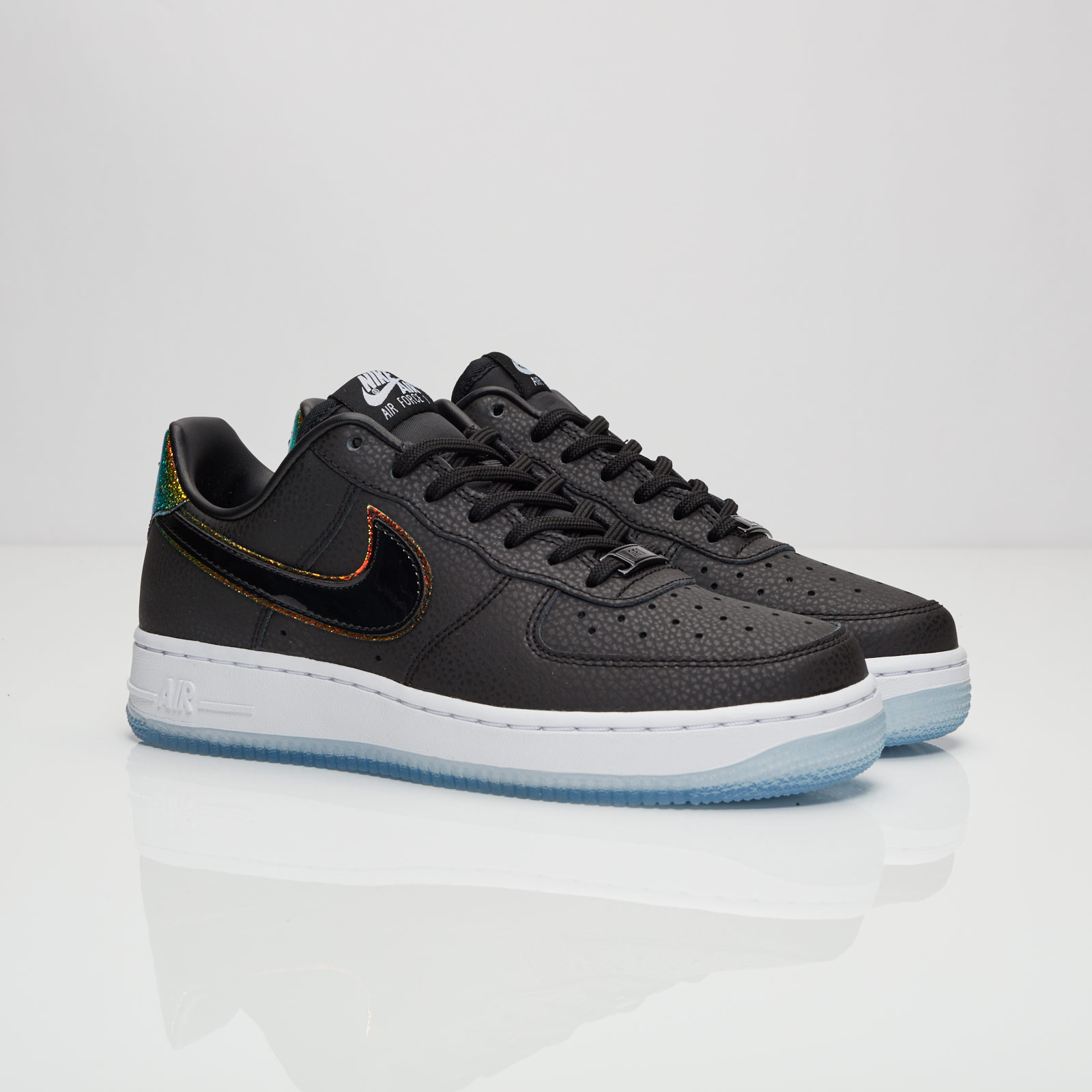 online store d133b 14b93 Nike Wmns Air Force 1 07 Premium