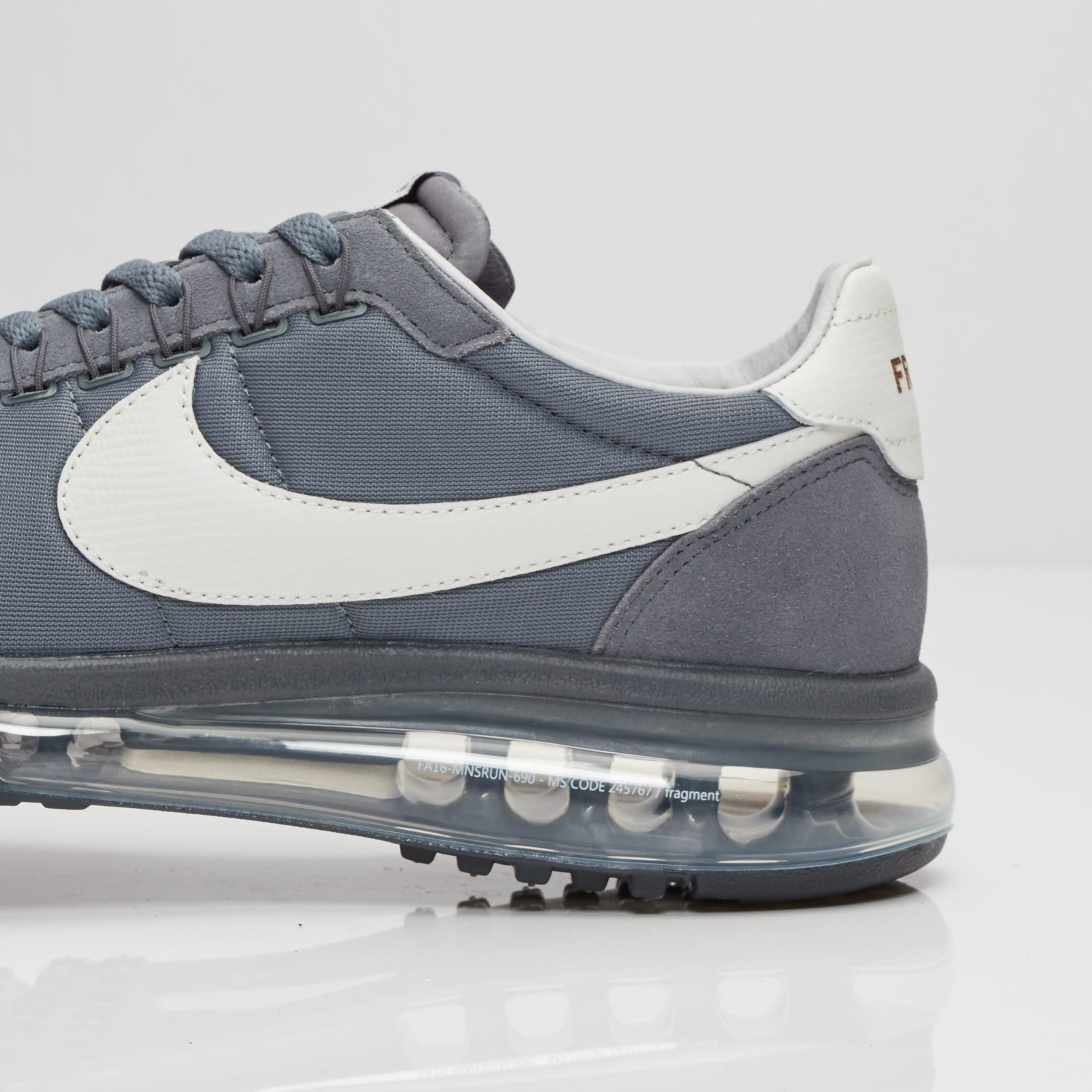 new product 0e357 b11c5 Nike Air Max ld-zero Fragment - 885893-002 - Sneakersnstuff   sneakers   streetwear  online since 1999