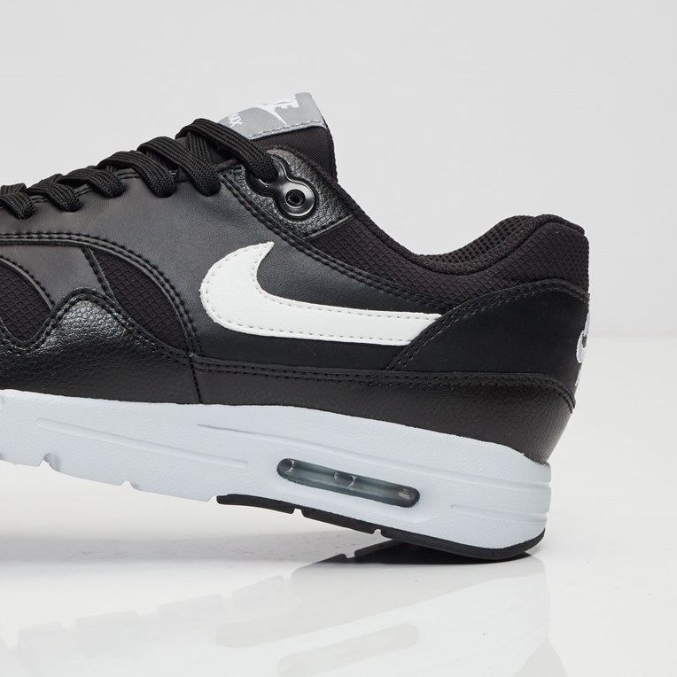 Nike Air Max 1 Ultra Essential - 6