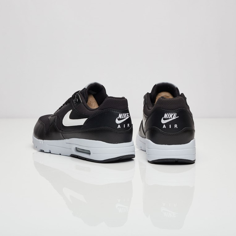 Nike Air Max 1 Ultra Essential - 2