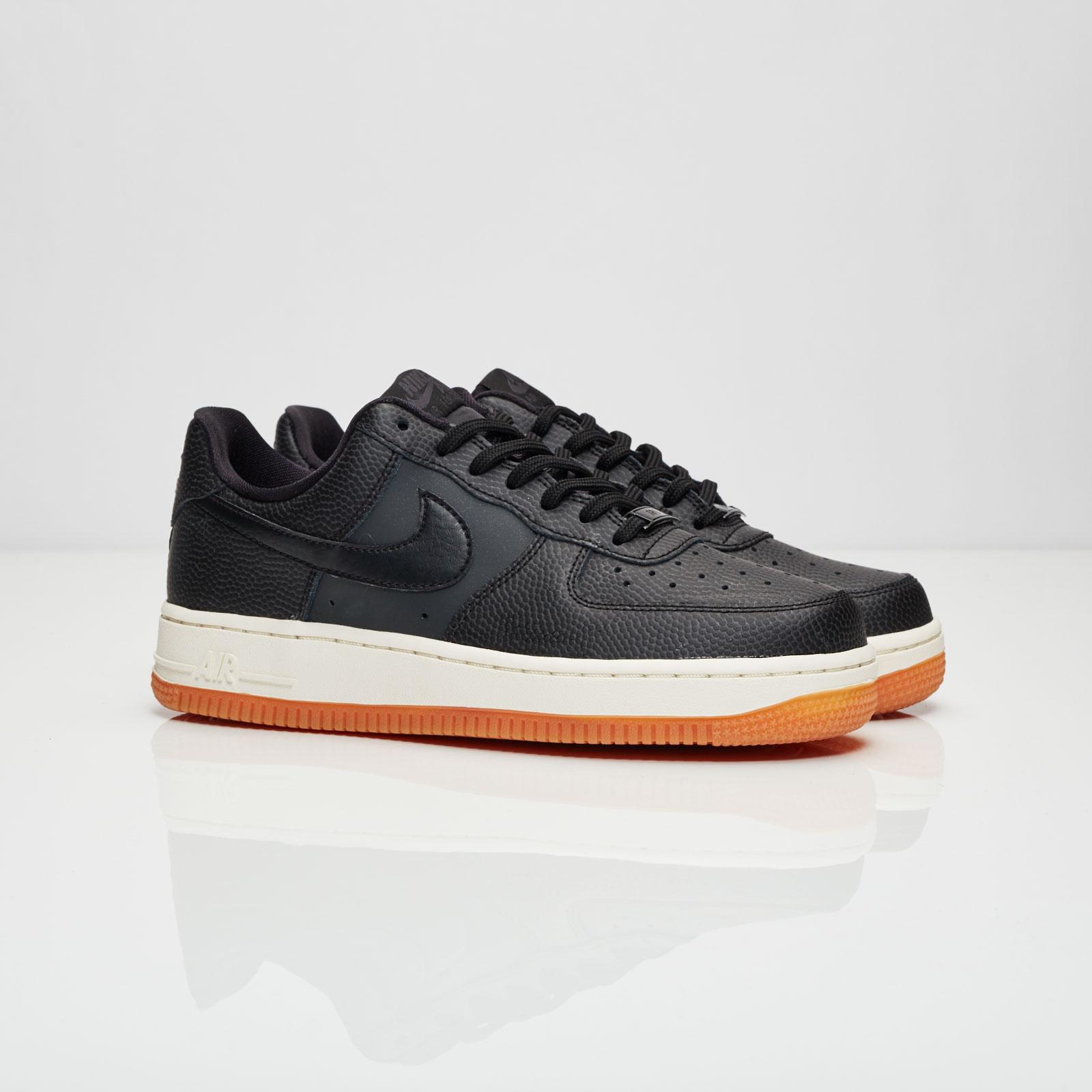 Nike Wmns Air Force 1 07 Seasonal 818594 003