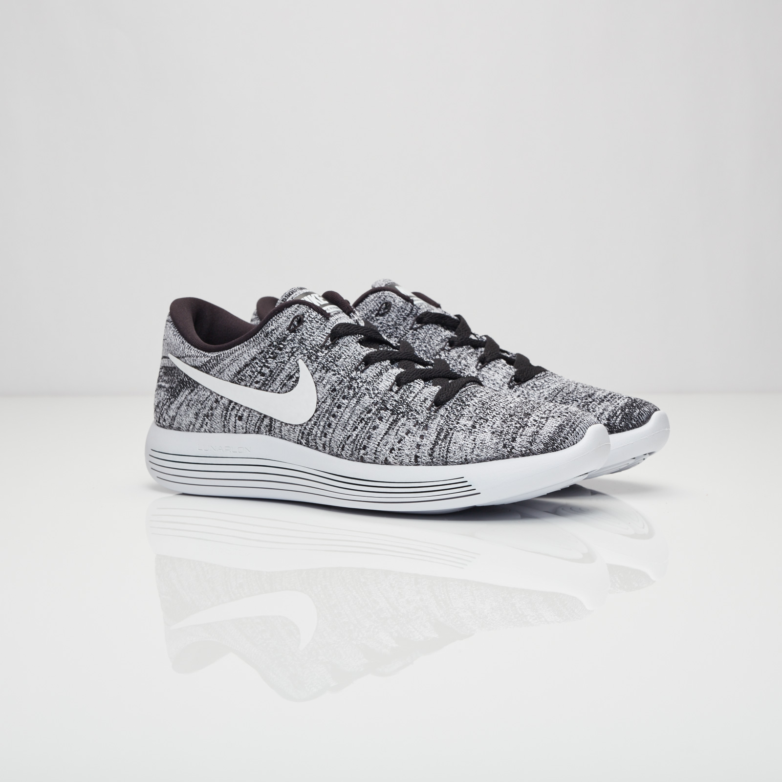 the latest 357c8 9aad5 Nike Wmns Lunarepic Low Flyknit - 843765-001 ...