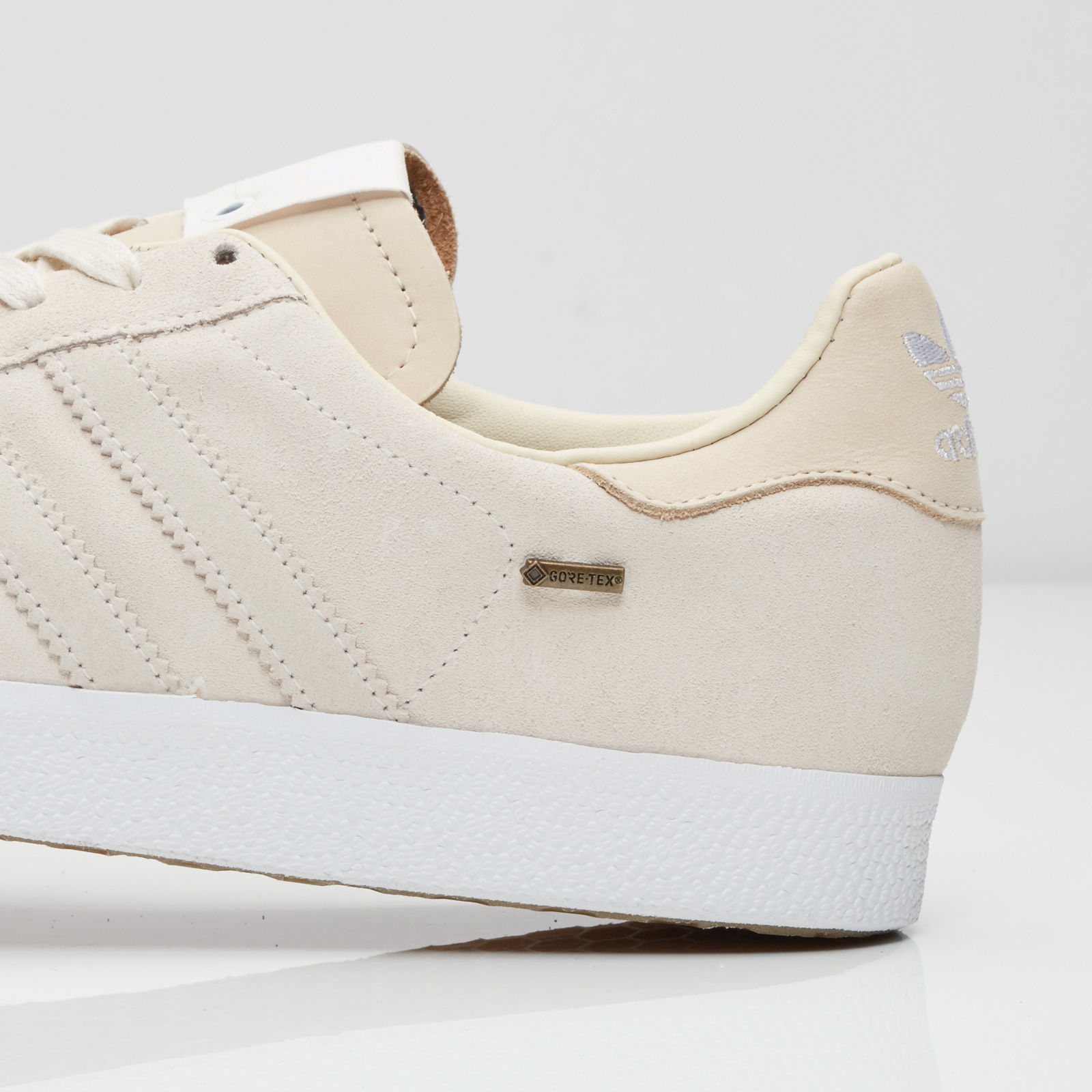 sports shoes cf428 0dd54 ... adidas Gazelle GTX St Alfred