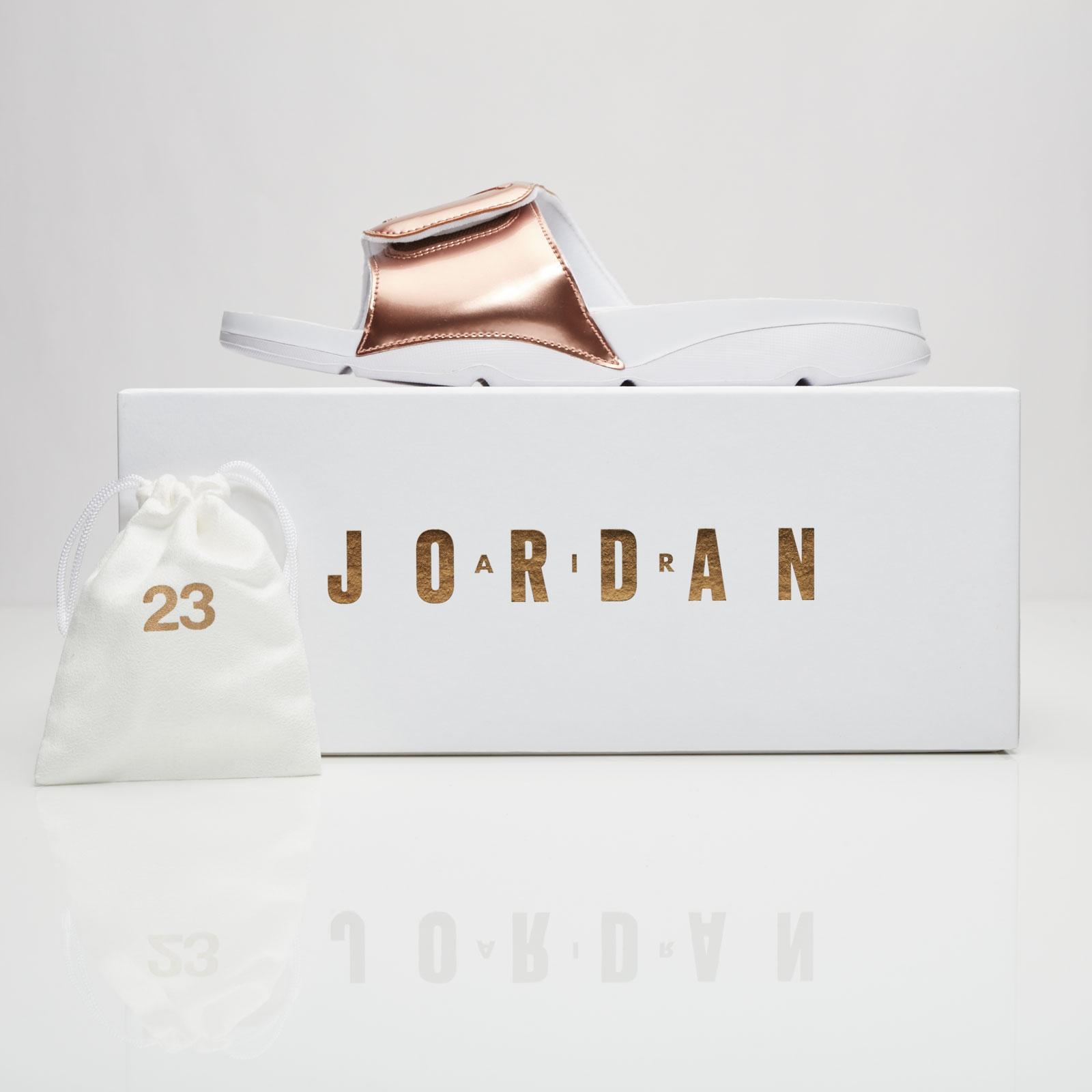 ac468dda842 Jordan Brand Jordan Hydro 5 Pinnacle - 854555-105 - Sneakersnstuff |  sneakers & streetwear online since 1999