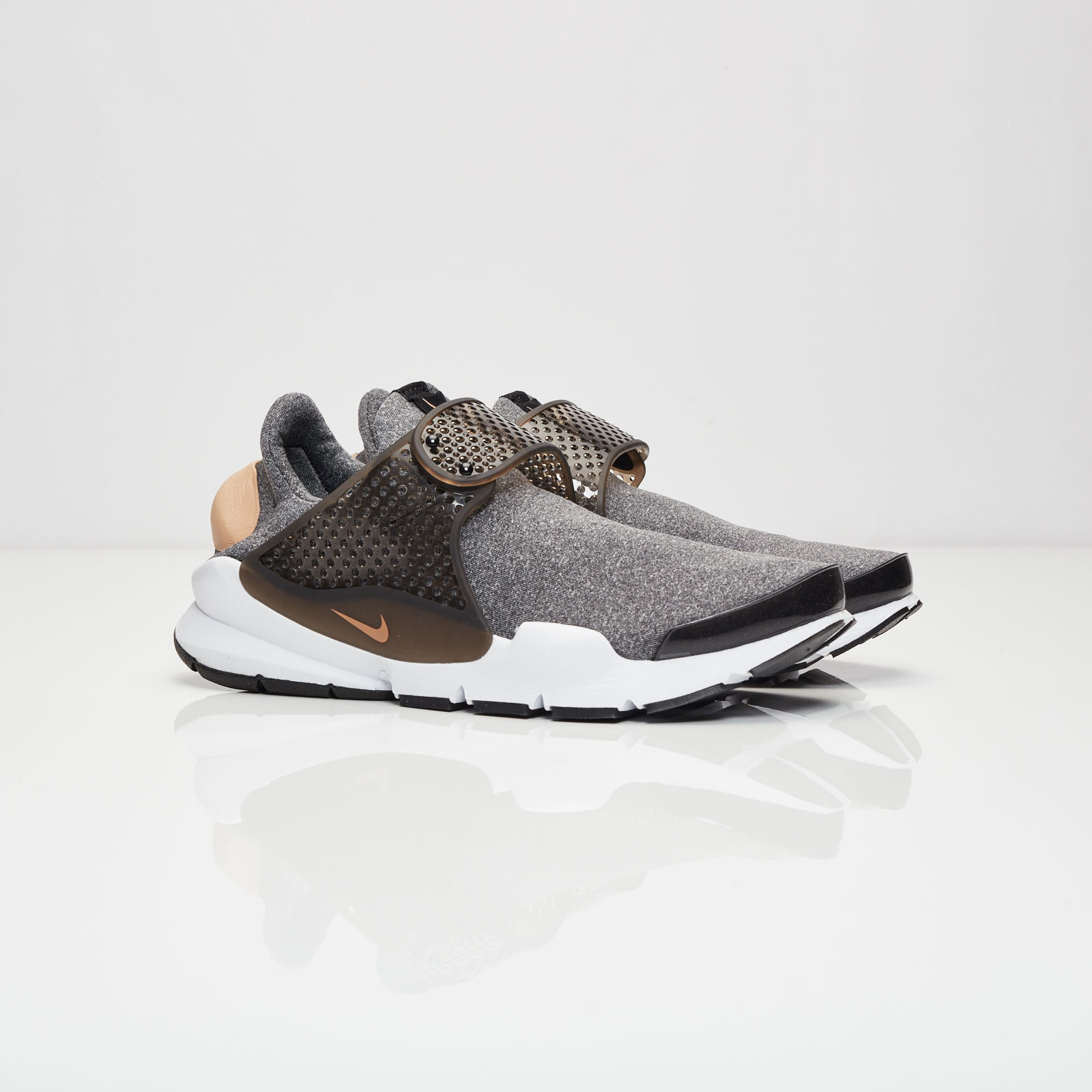 sports shoes 259ba 1c636 Nike Wmns Sock Dart SE