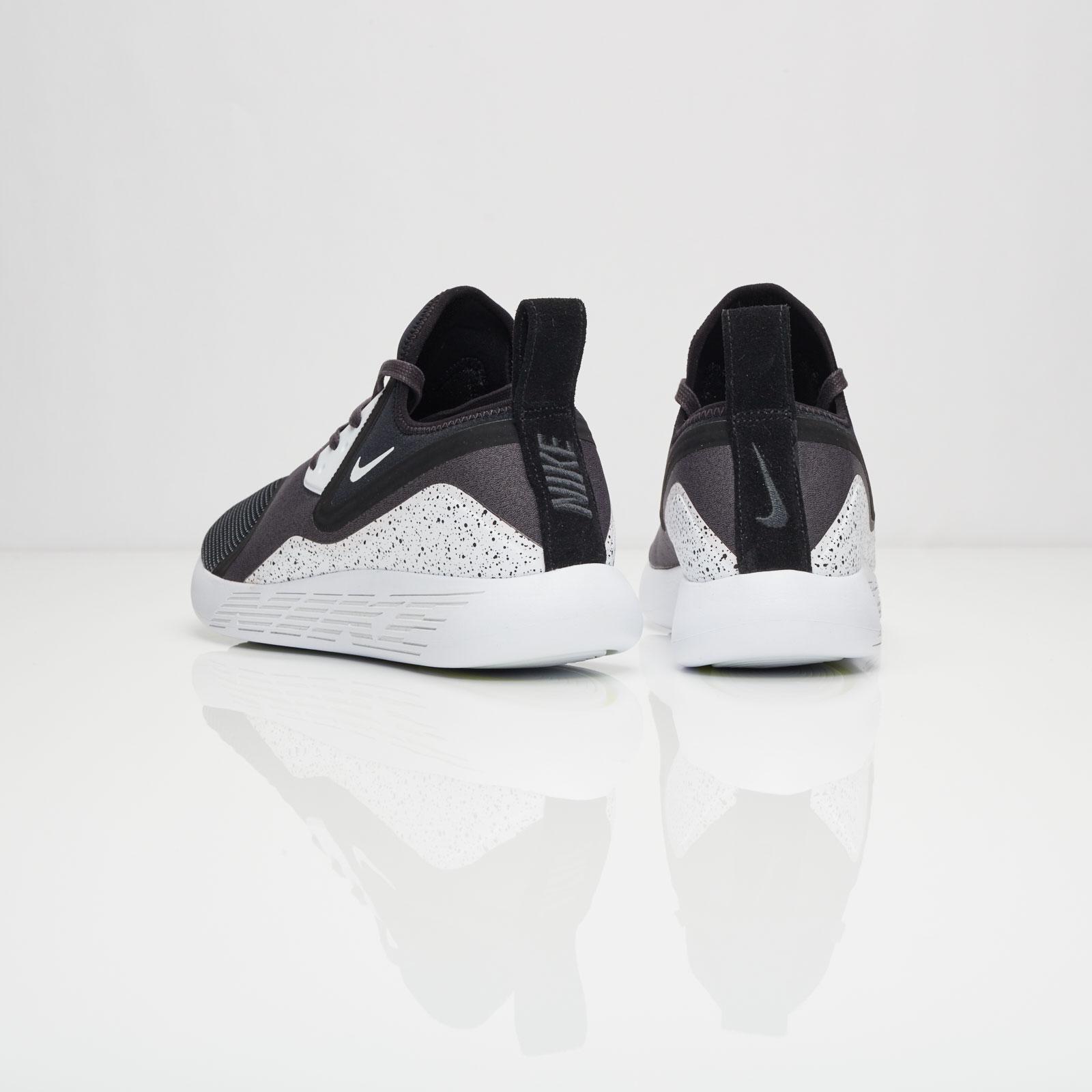 reputable site fd575 efb91 Nike Lunarcharge Premium LE - 923284-999 - Sneakersnstuff   sneakers    streetwear online since 1999