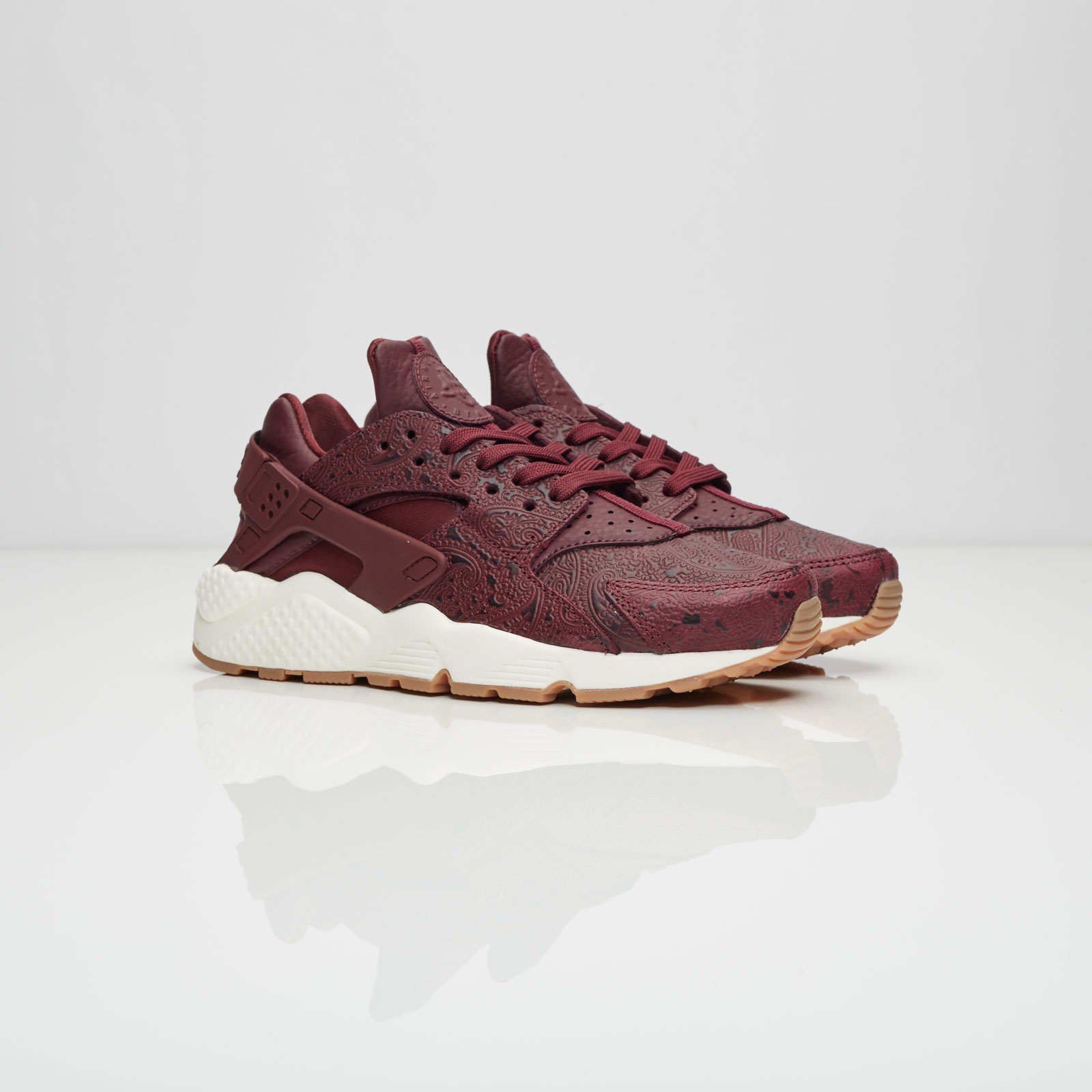 966099b0a2 Nike Wmns Air Huarache Run Premium - 683818-600 - Sneakersnstuff ...