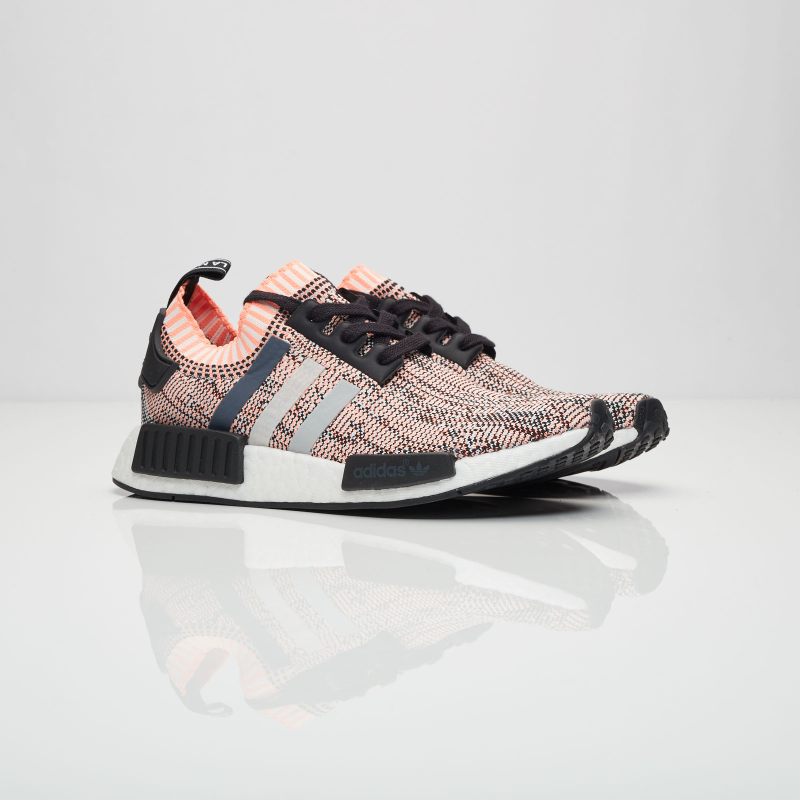 496a57fb29a4b1 adidas NMD R1 W PK - Bb2361 - Sneakersnstuff