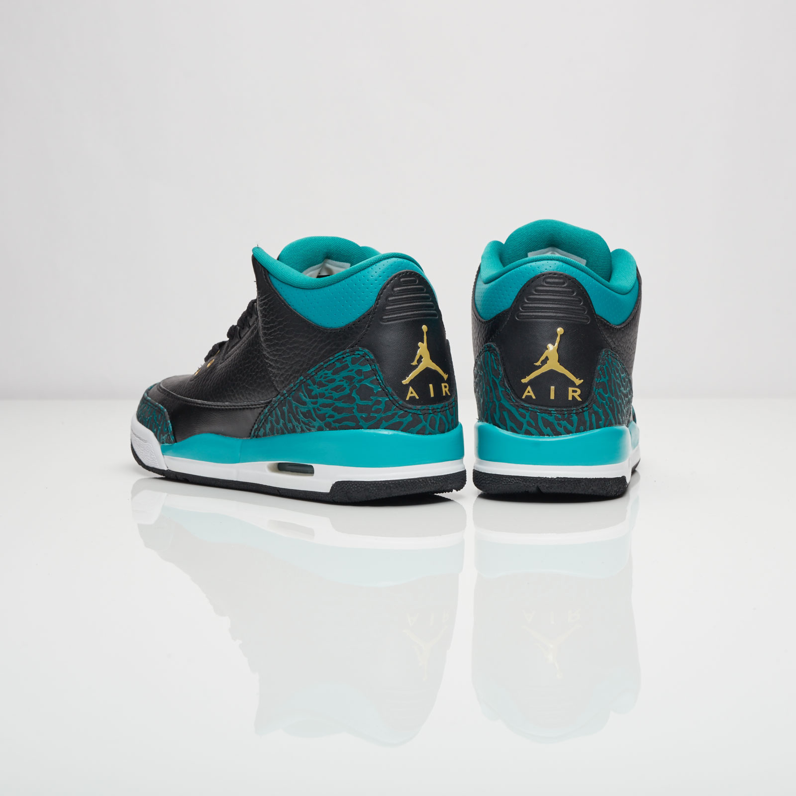 ddd9d3ebd189 Jordan Brand Air Jordan 3 Retro (Gs) - 441140-018 - Sneakersnstuff ...