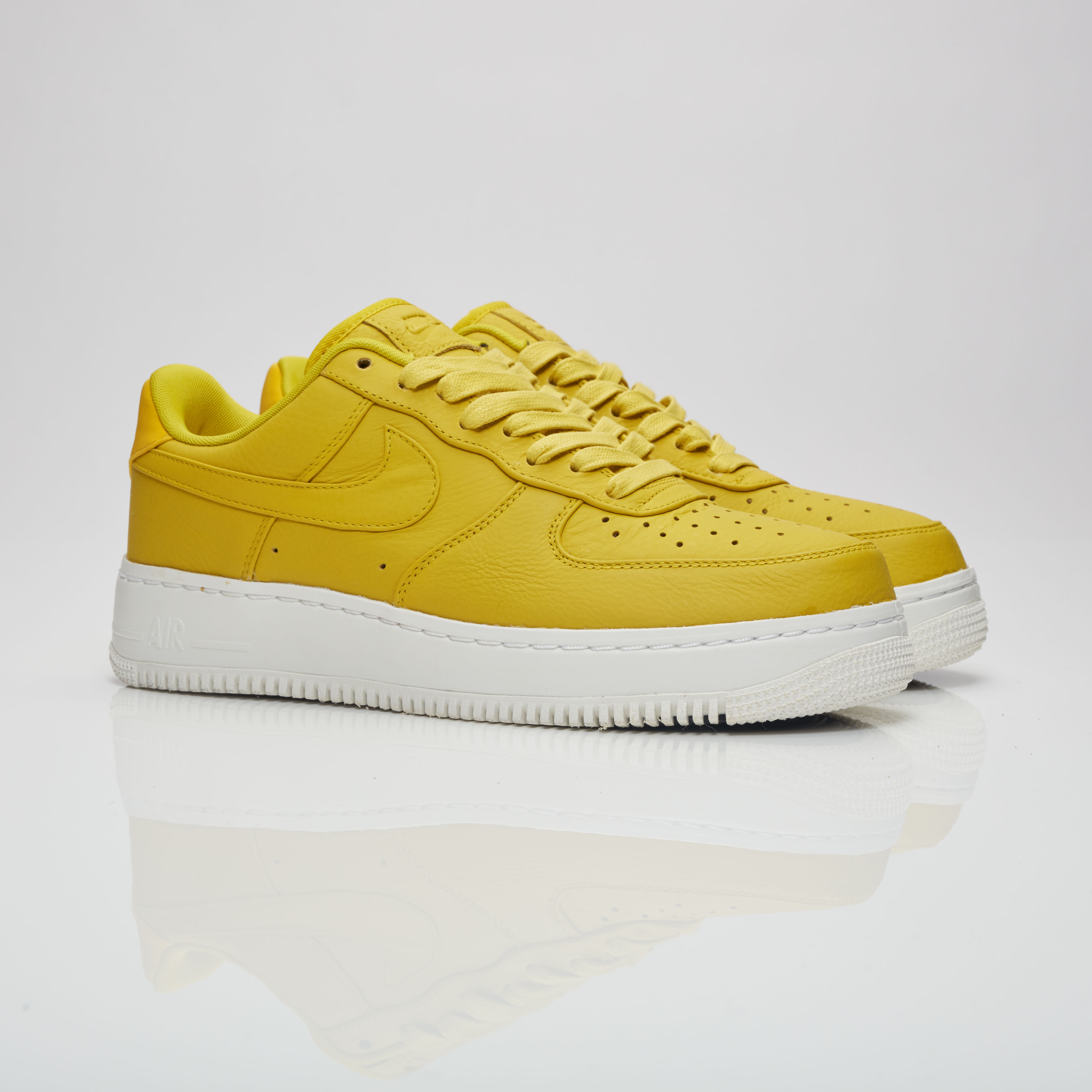 new concept 606b5 853a6 NikeLab Air Force 1 Low