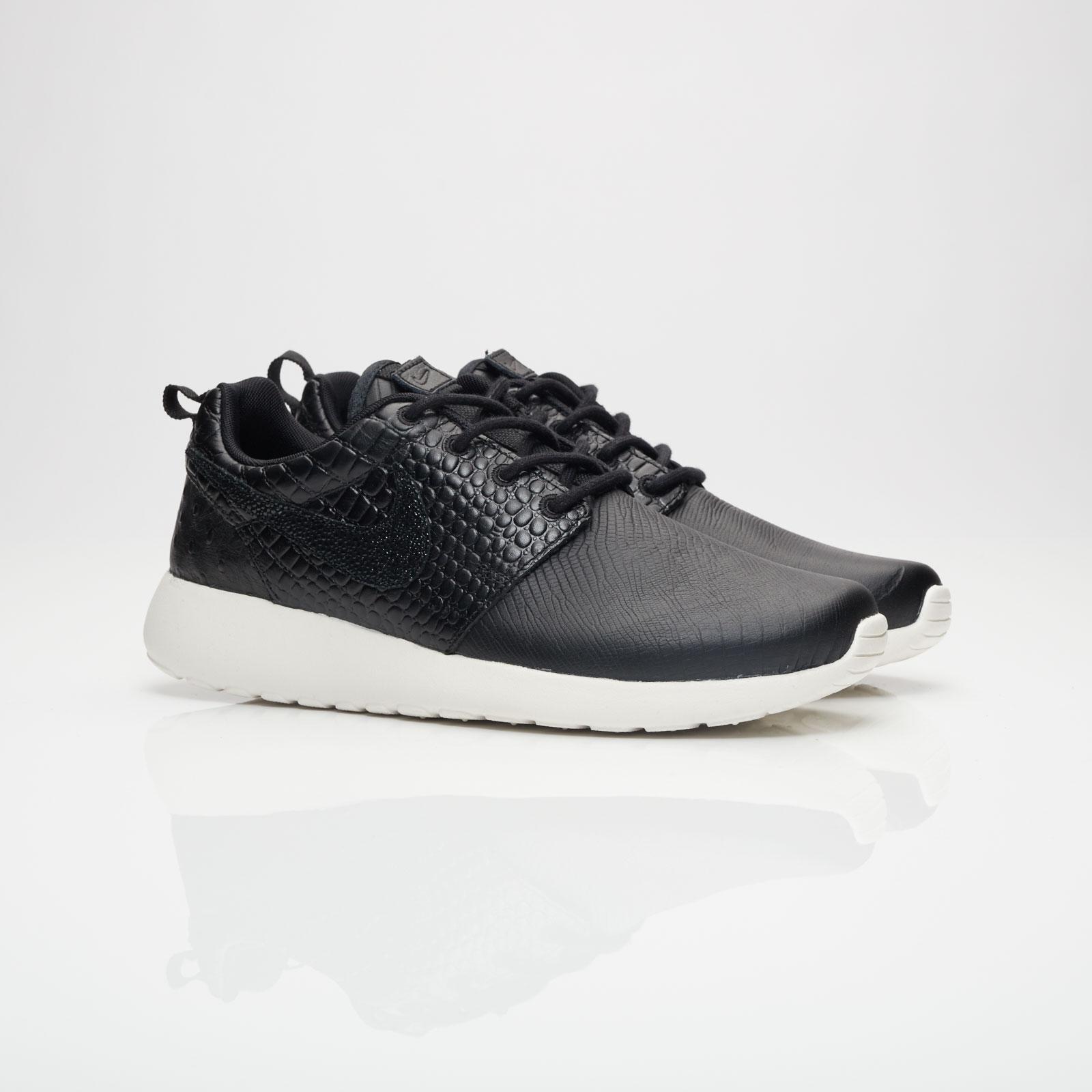 3ebdf4f521b9e Nike Wmns Roshe One Lx - 881202-001 - Sneakersnstuff