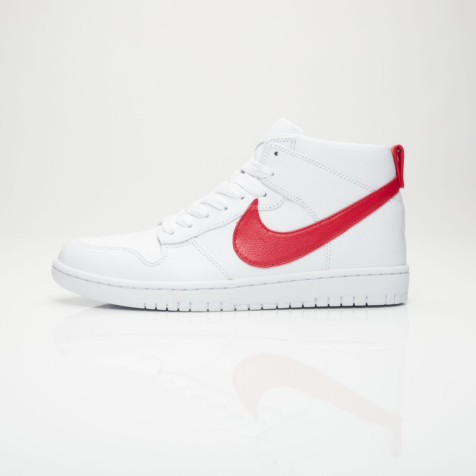 low priced 5febe 80e49 Nike Dunk Lux Chukka   Rt - 910088-100 - Sneakersnstuff   sneakers    streetwear online since 1999