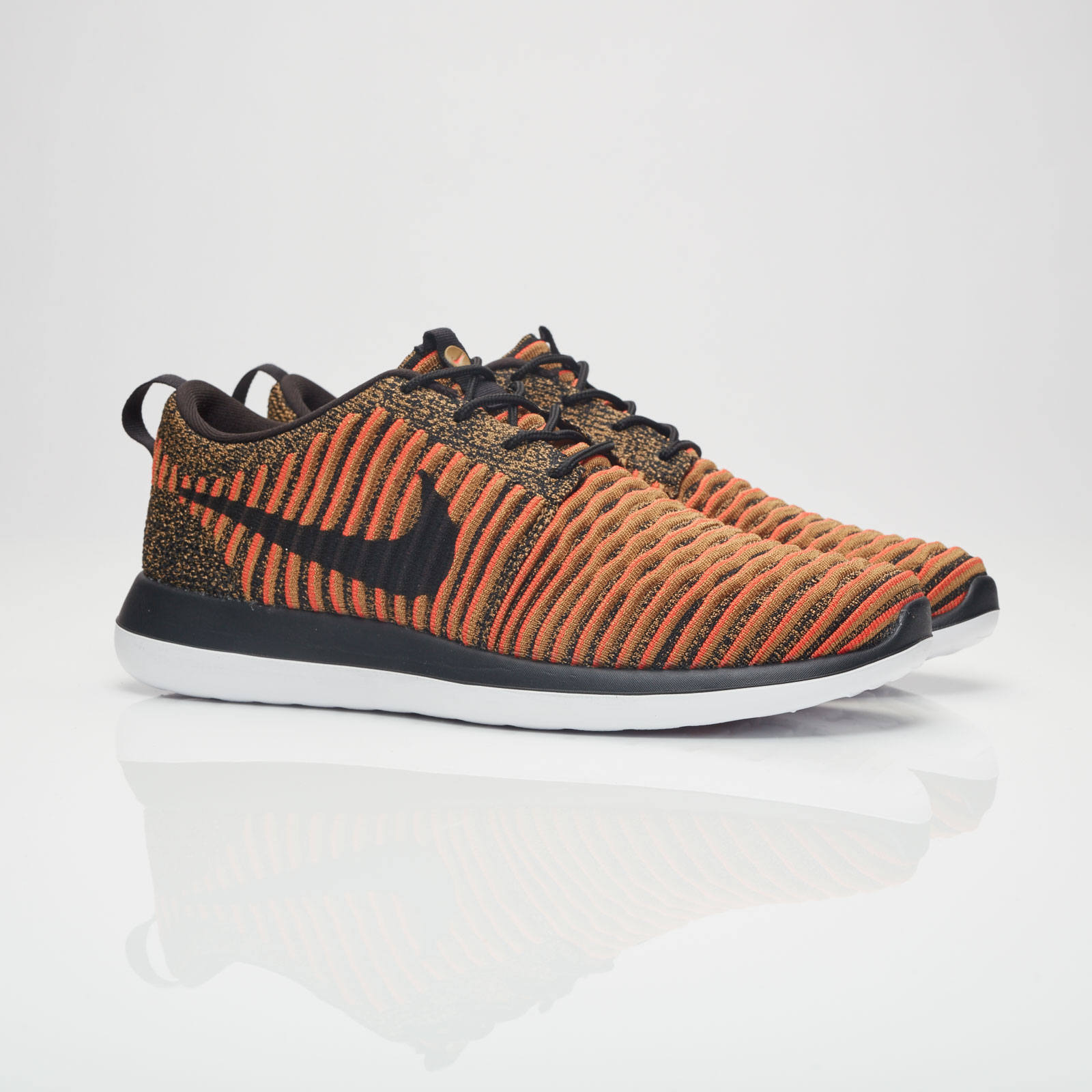wholesale dealer 56316 20776 Nike Sportswear Roshe Two Flyknit