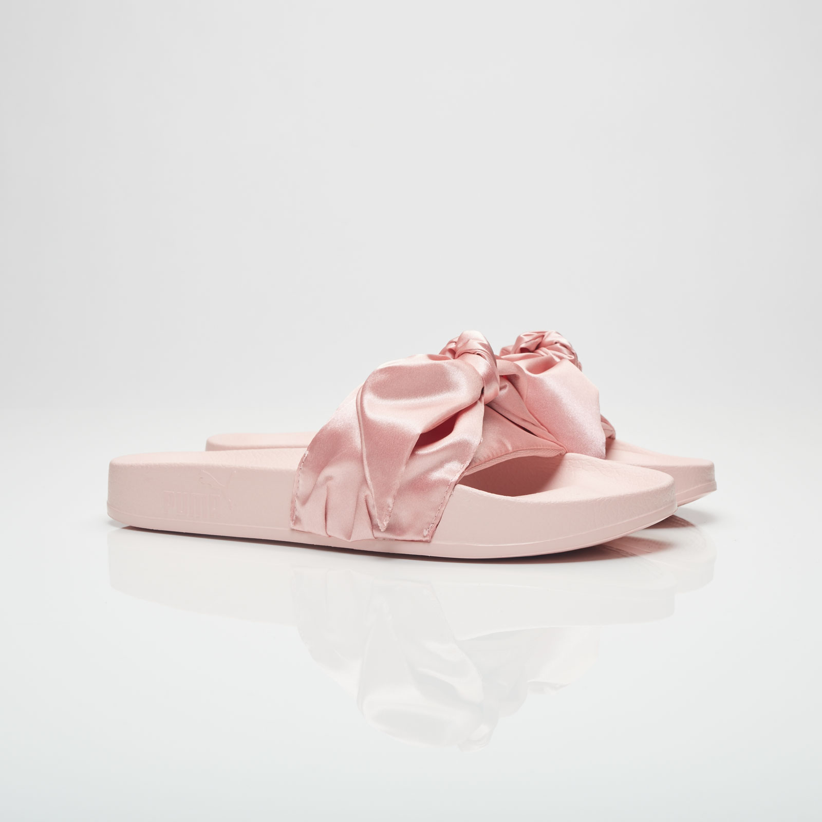 Puma Bow Slide Women - 365774-03 - Sneakersnstuff  5ca31ec003