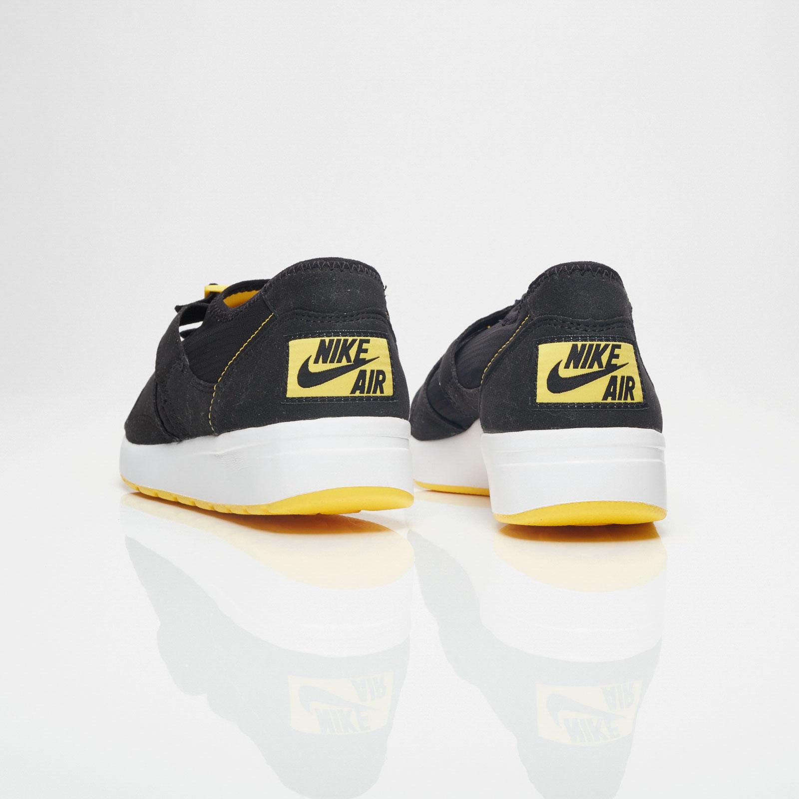 6fac9dc3642 Nike Sportswear Air Sock Racer OG Nike Sportswear Air Sock Racer OG ...