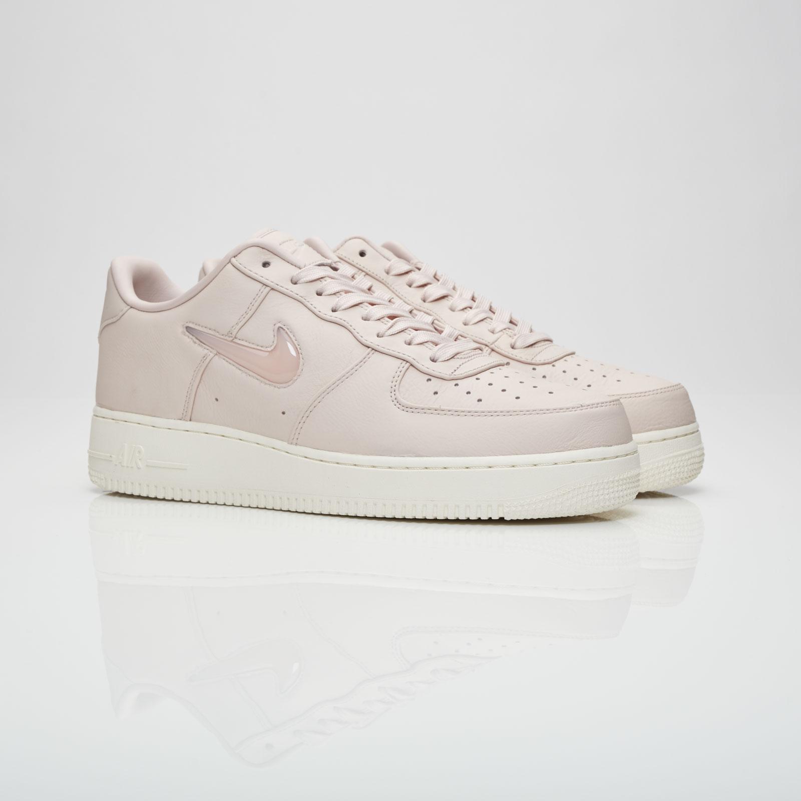 Nike Air Force 1 Retro Premium - 941912
