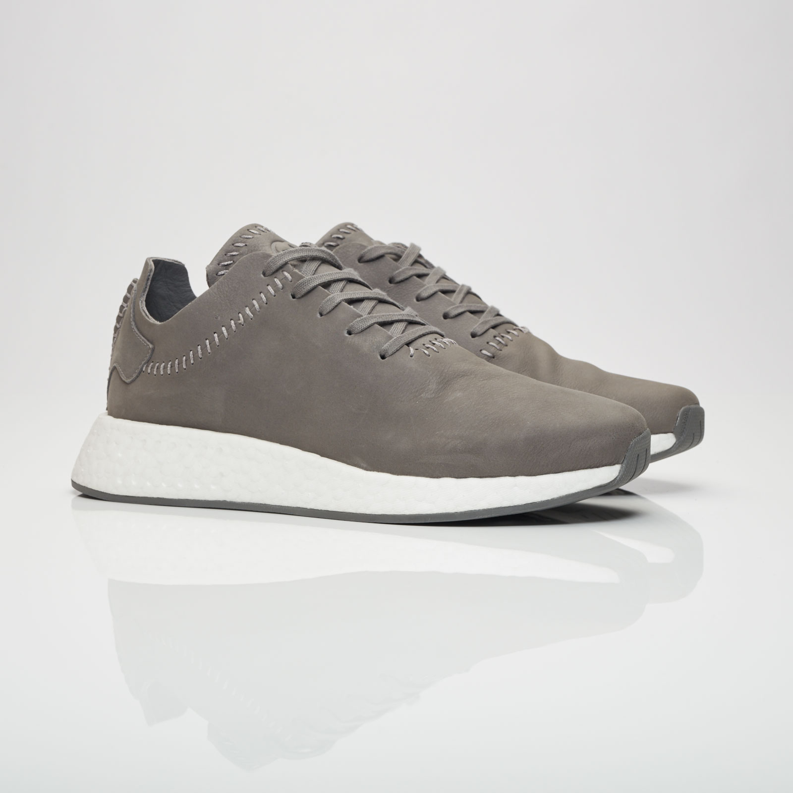 best loved 3d303 677c2 adidas NMD R2 Leather - Bb3117 - Sneakersnstuff | sneakers ...