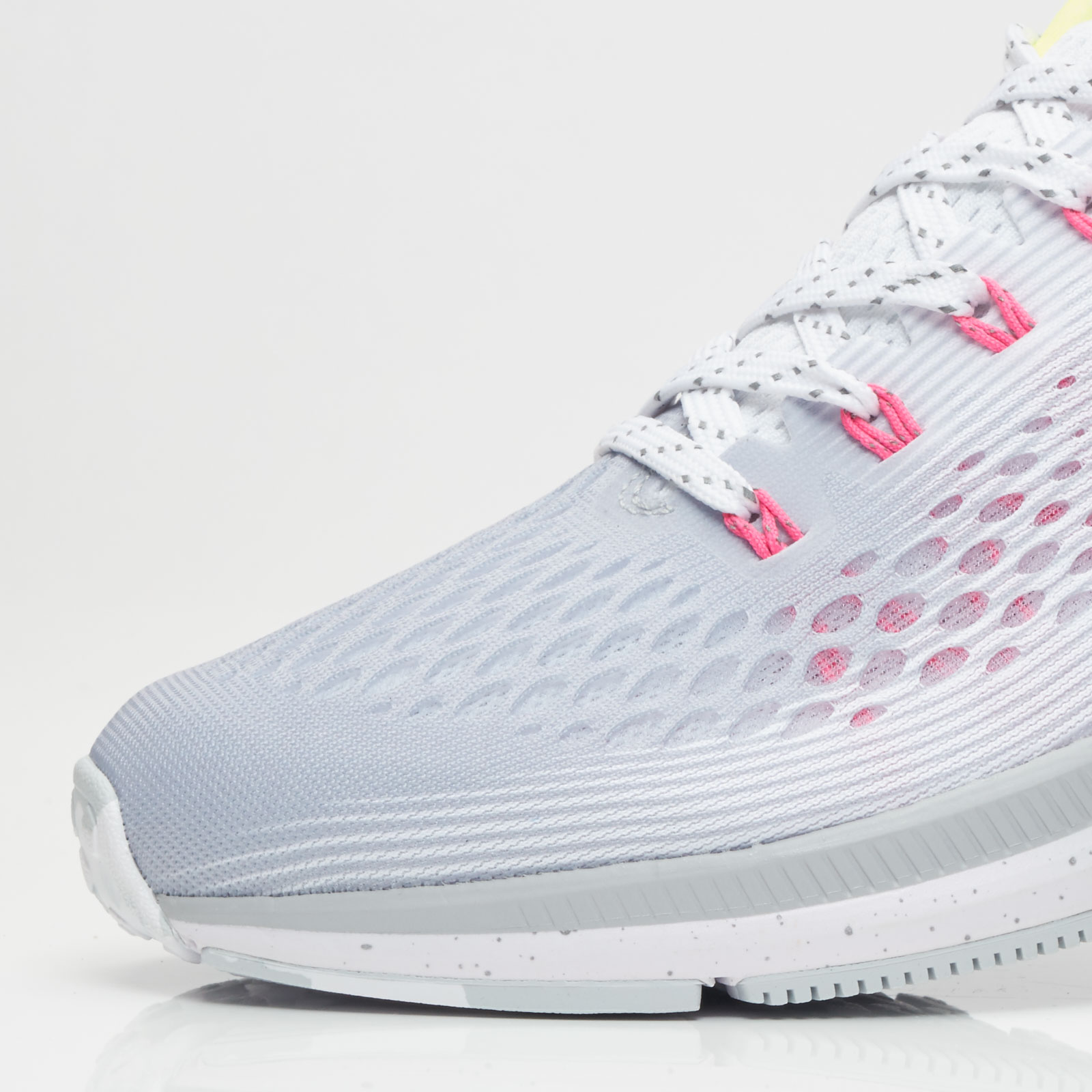 1cb5bcc638c4a2 Nike Air Zoom Pegasus 34 BETRUE - 899475-001 - Sneakersnstuff ...