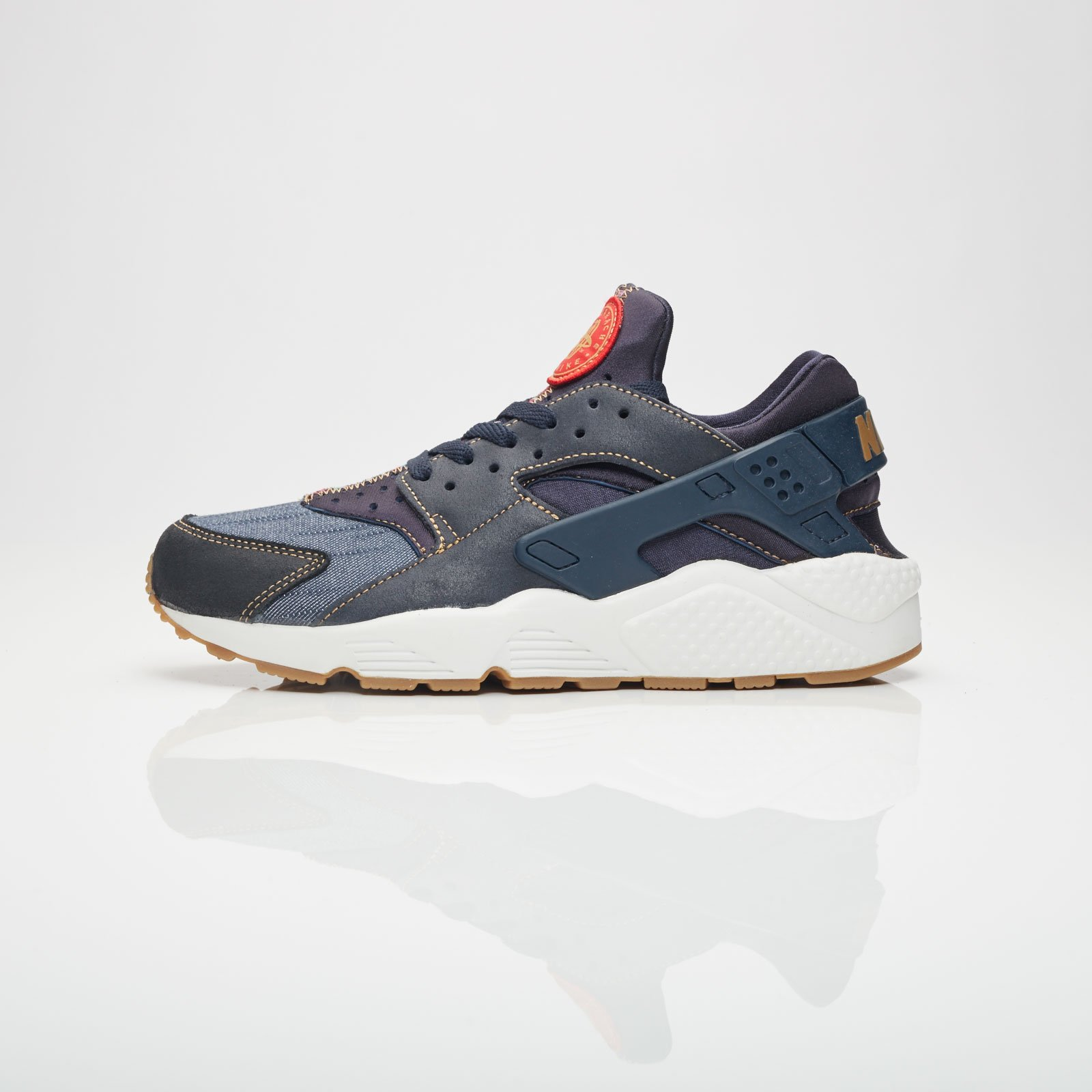 69a2497400794 Nike Air Huarache Run SE - 852628-403 - Sneakersnstuff