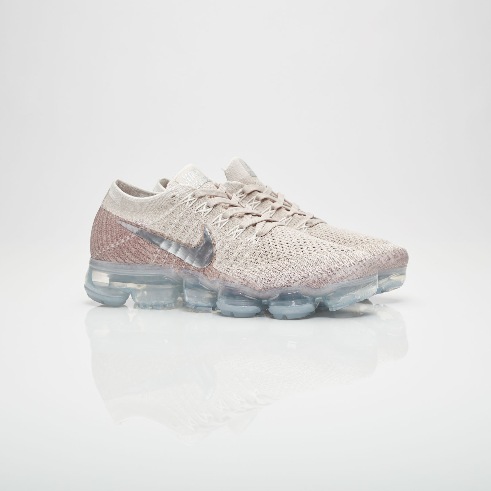 reputable site 49471 6661b Nike Wmns Air Vapormax Flyknit - 849557-202 - Sneakersnstuff ...