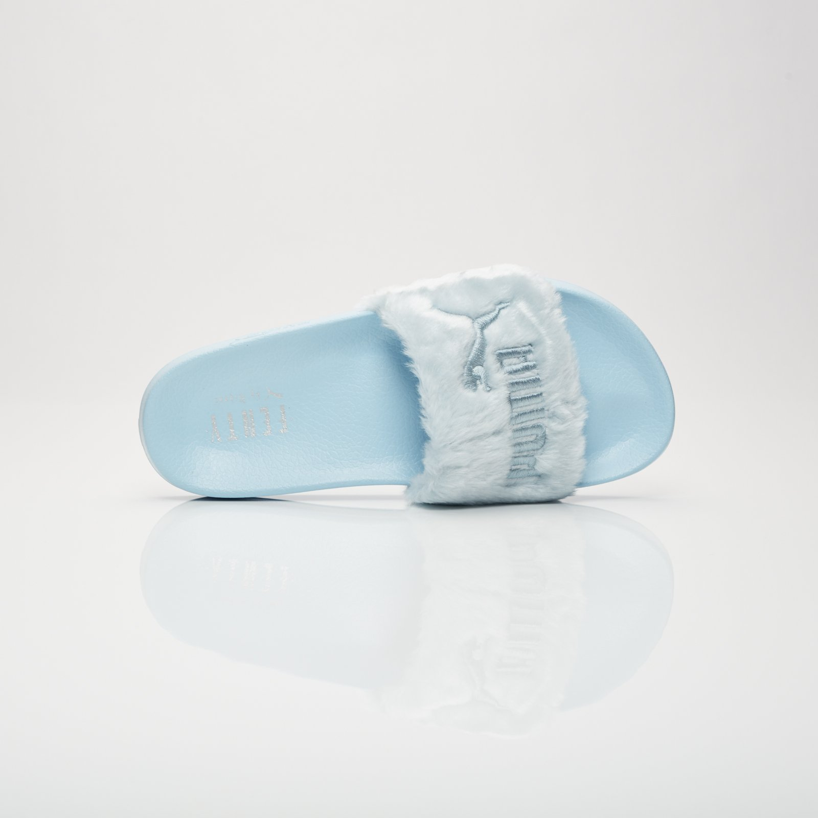 1db057de7902 Puma Fur Slides - 365772-03 - Sneakersnstuff
