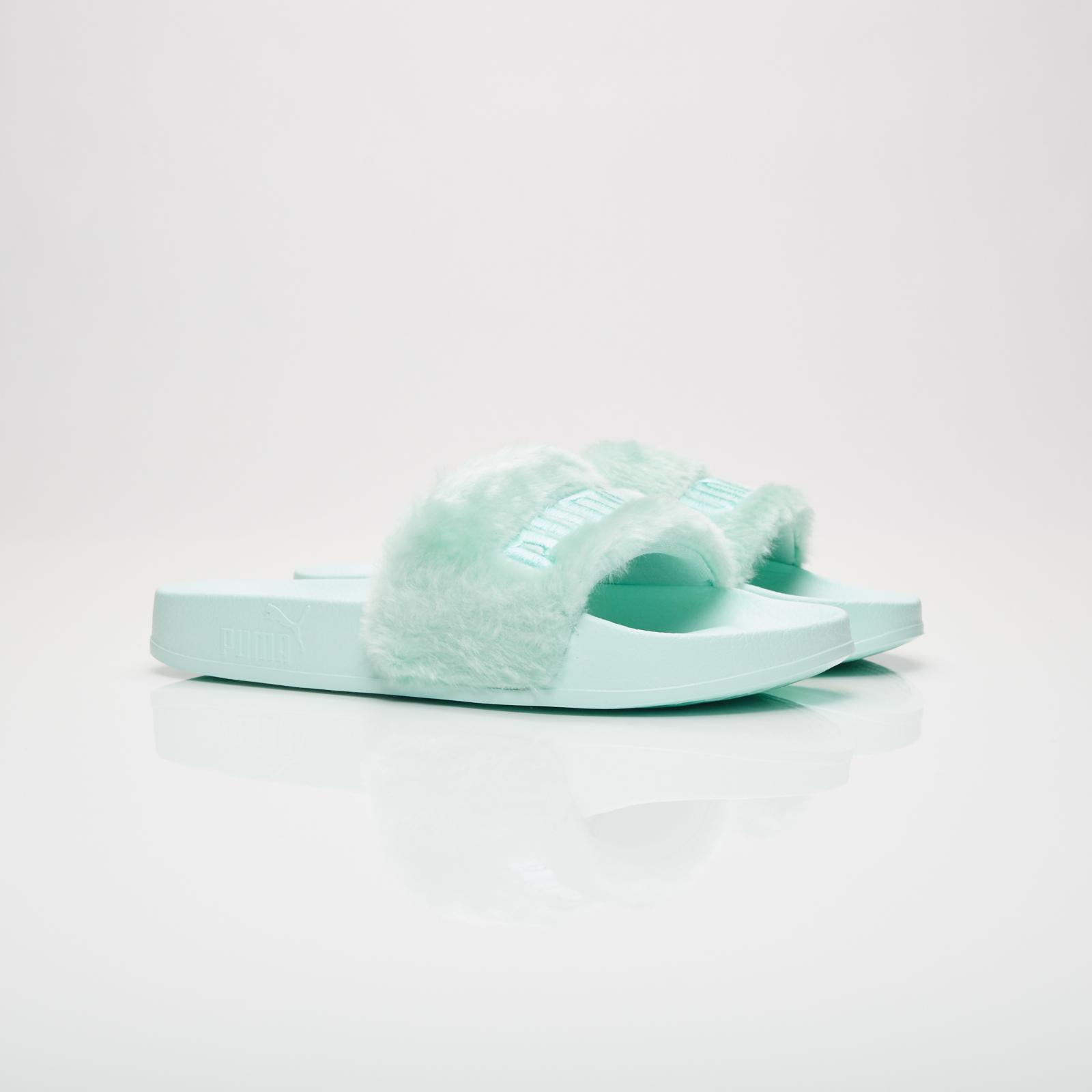 buy online 0f78d ee23f Puma Fur Slides - 365772-01 - Sneakersnstuff | sneakers ...