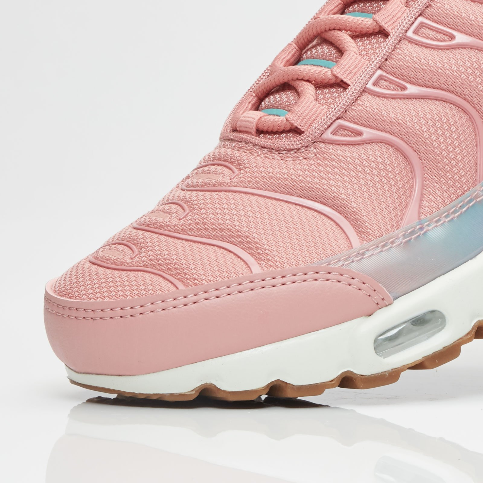 cozy fresh on feet images of new release Nike Wmns Air Max Plus Se - 862201-600 - Sneakersnstuff ...