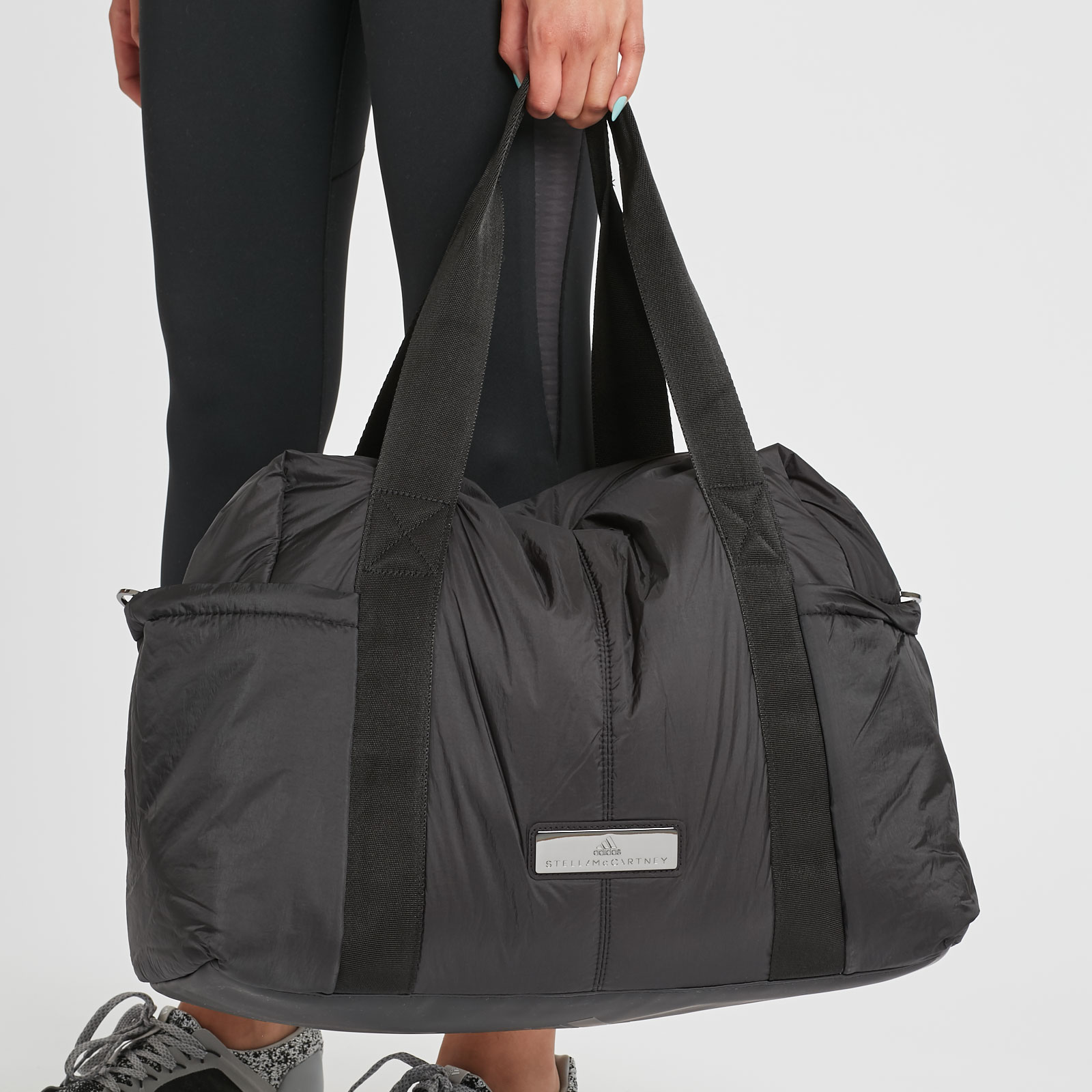 newest 0734f d1380 adidas Shipshape Bag M - Cd1290 - Sneakersnstuff   sneakers   streetwear  online since 1999
