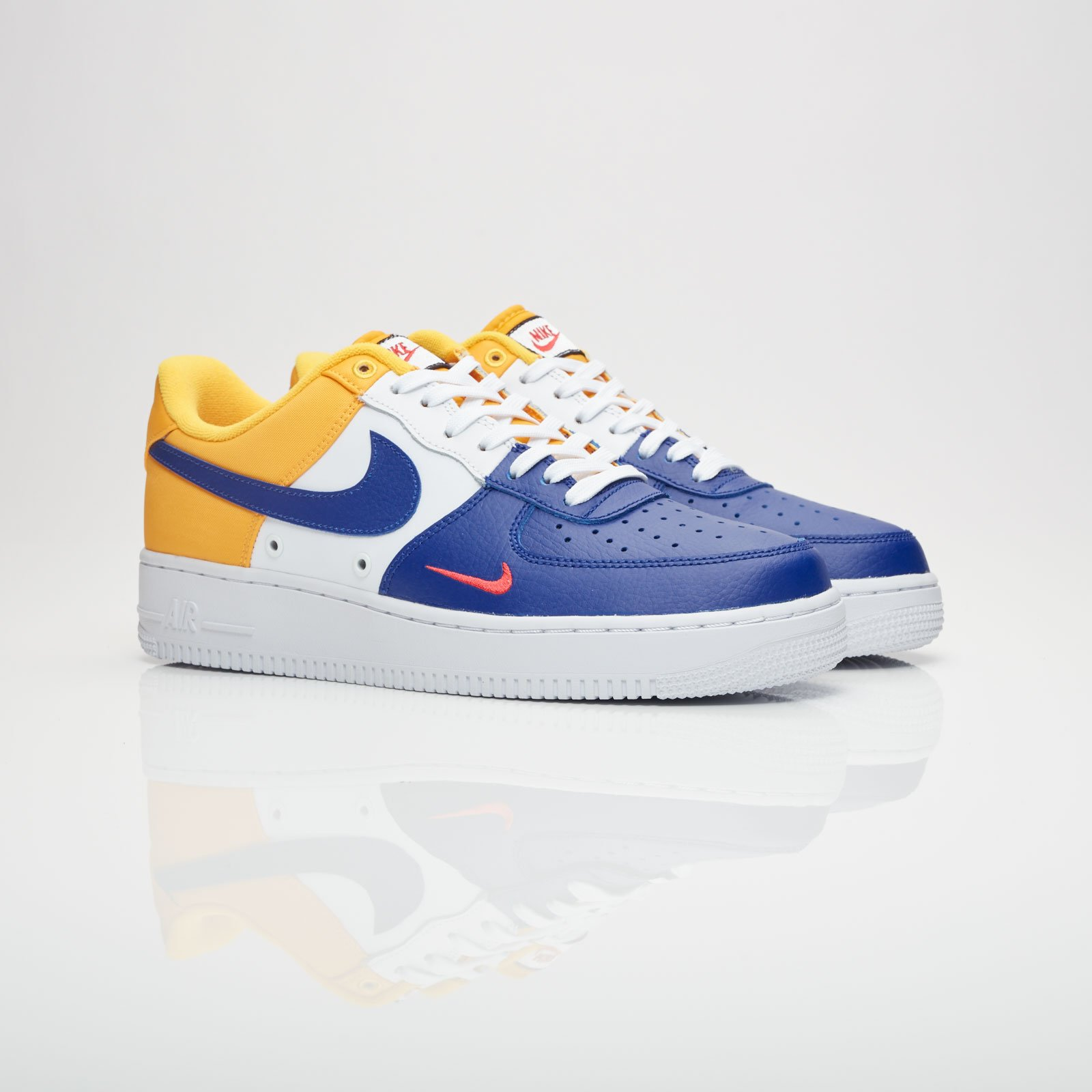 Nike Air Force 1 07 LV8 - 823511-404