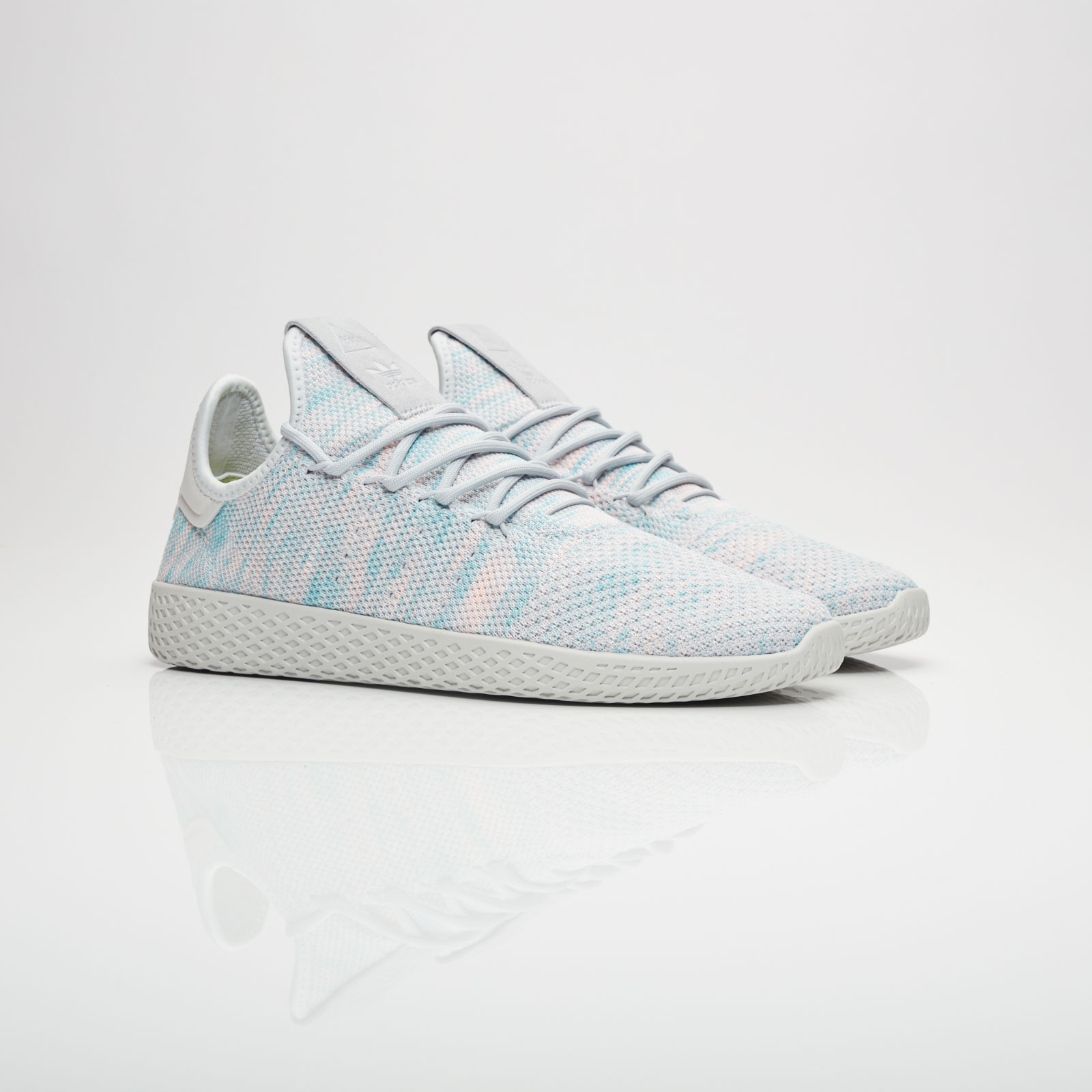 adidas Pharrell Williams Tennis HU - By2671 - Sneakersnstuff ... 4fa60c75ef6