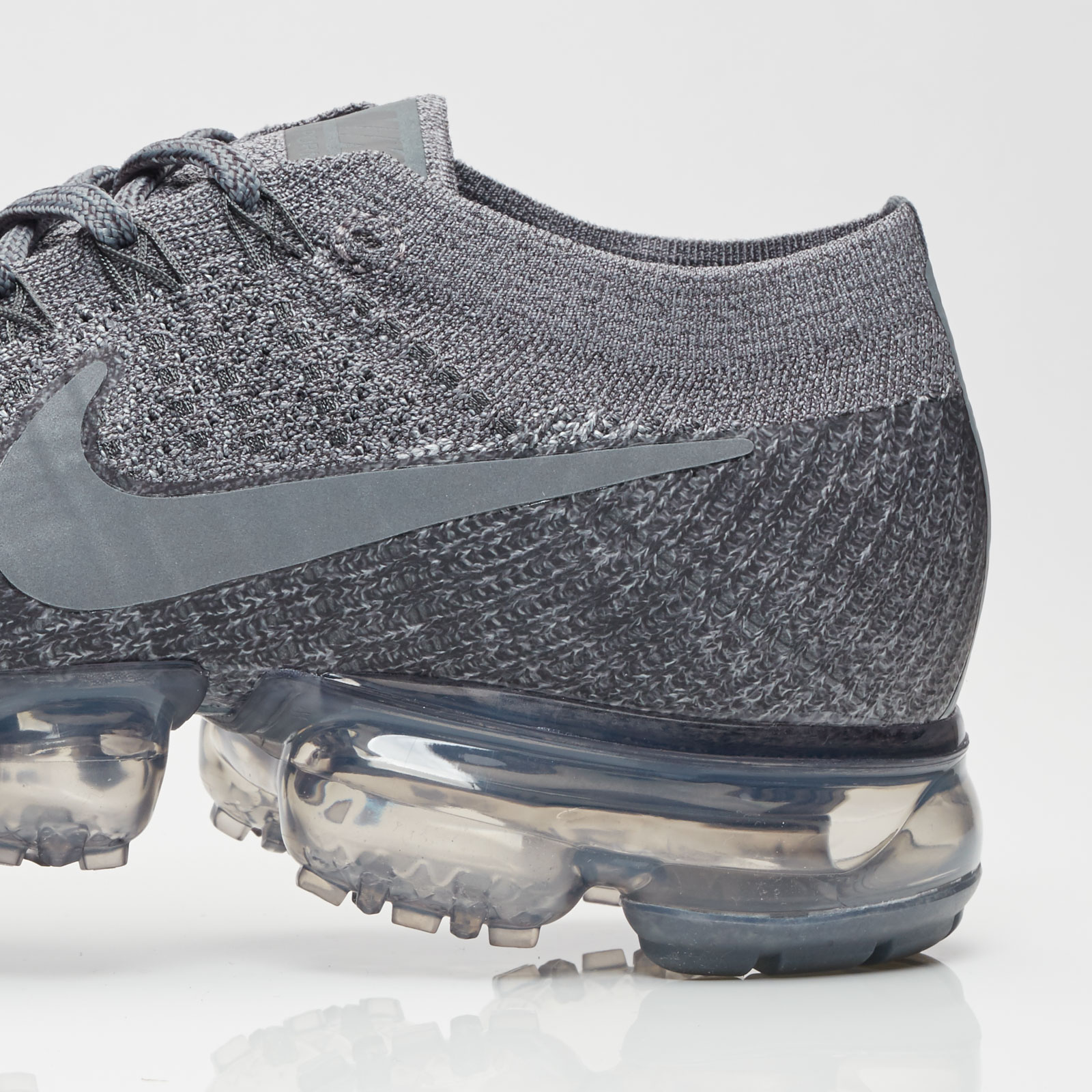 7337e4ba55563 Nike NikeLab Air Vapormax Flyknit - 899473-005 - Sneakersnstuff ...