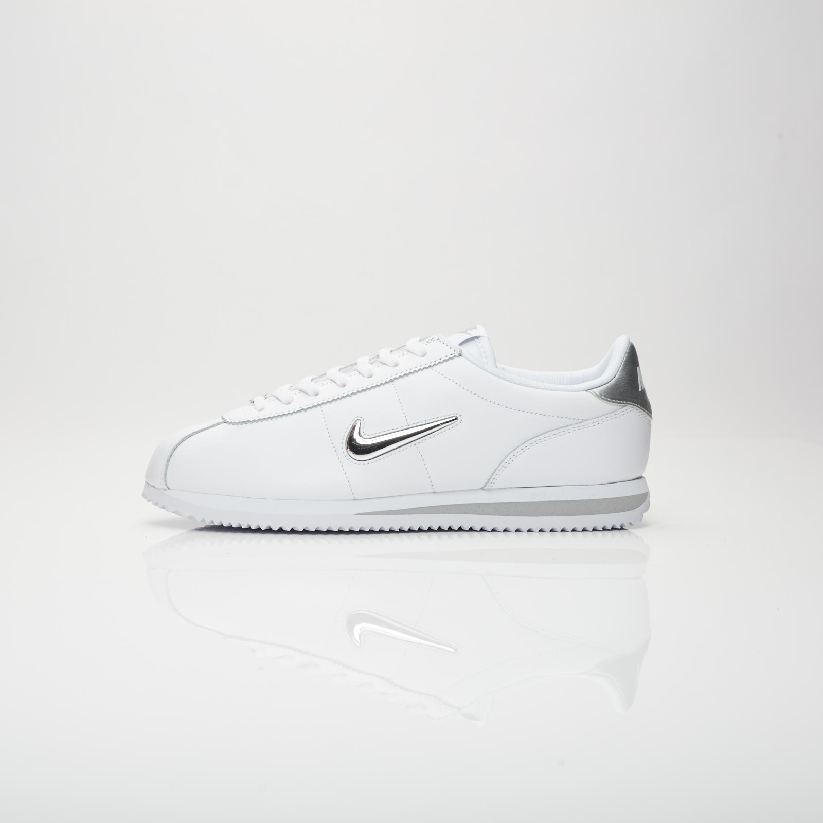 super popular 721a0 64638 Nike Cortez Basic Jewel - 833238-101 - Sneakersnstuff I Sneakers    Streetwear online seit 1999