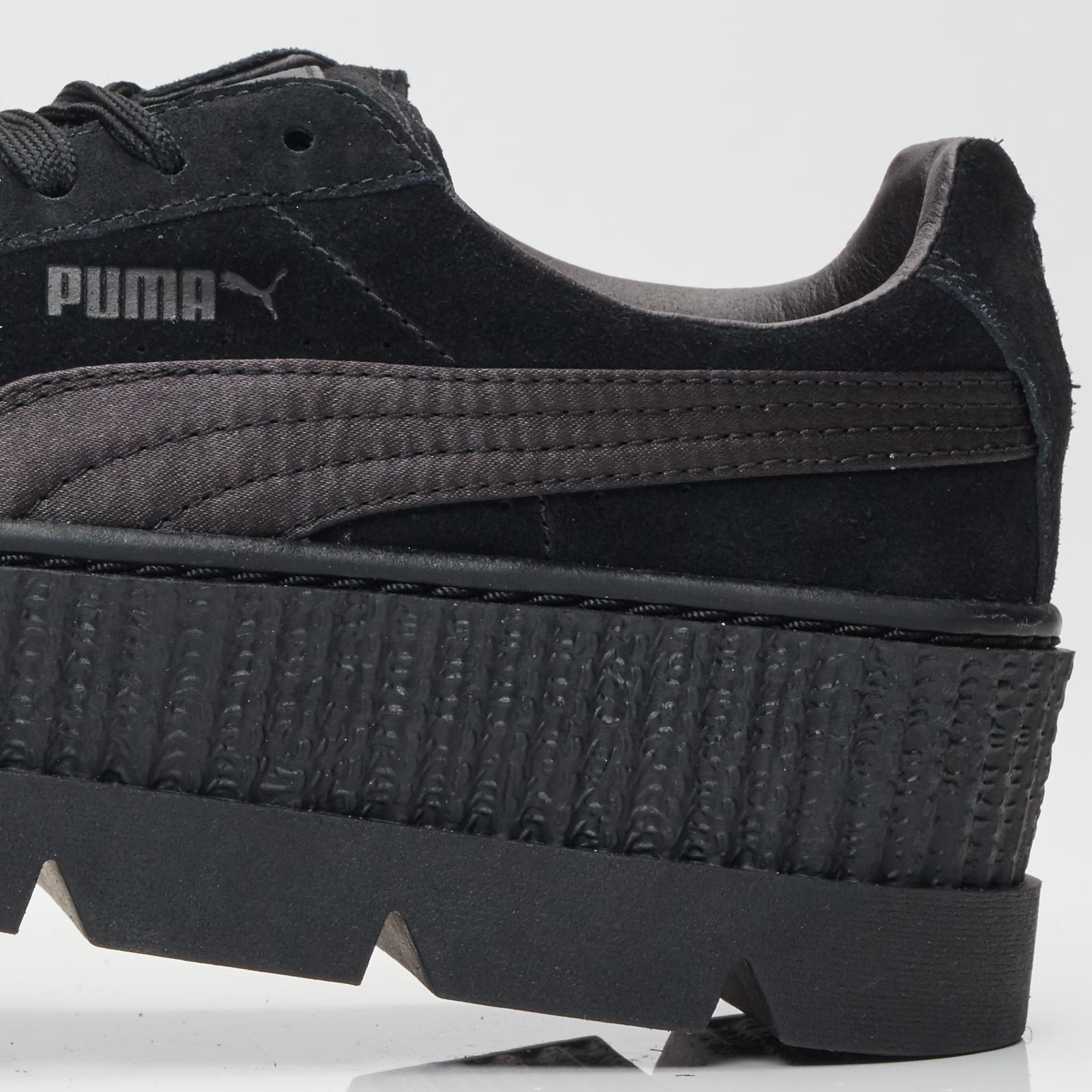 47f02138fbb569 Puma Cleated Creeper Suede Wns - 366268-04 - Sneakersnstuff ...