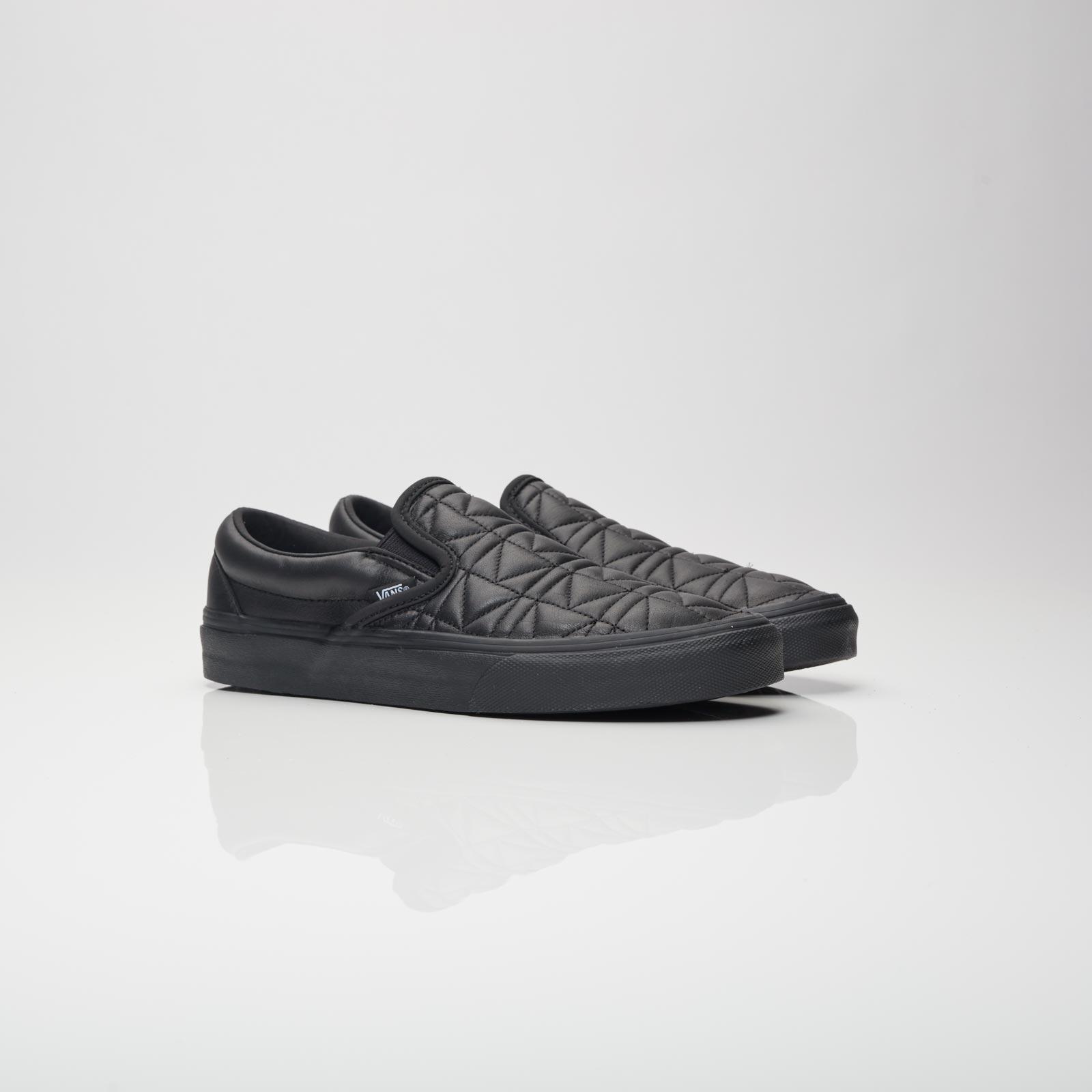 Vans Men's Ua Classic Slip-On Sneaker