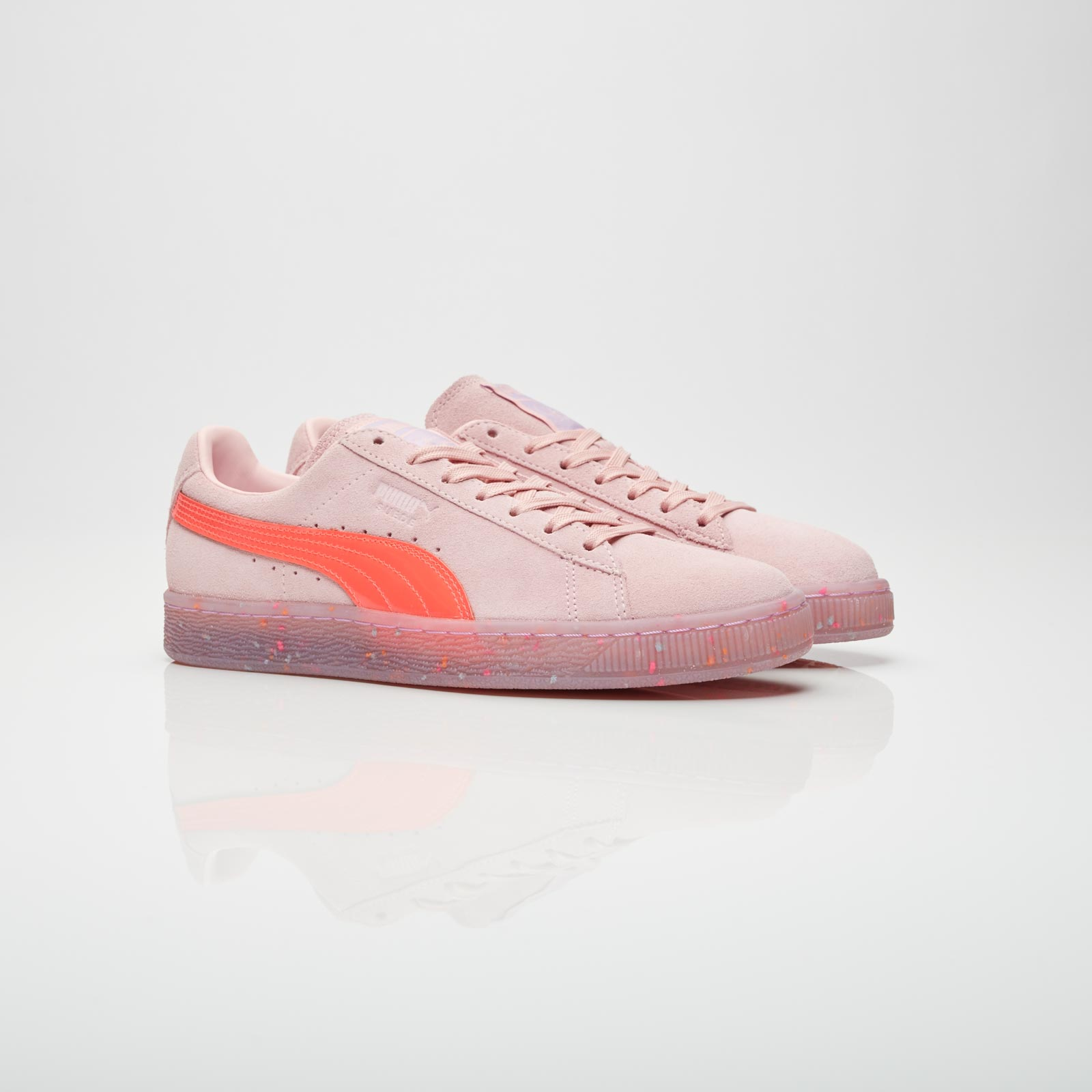 the best attitude 518f5 ede32 Puma Suede Wns x Sophia Webster - 364737-03 - Sneakersnstuff ...