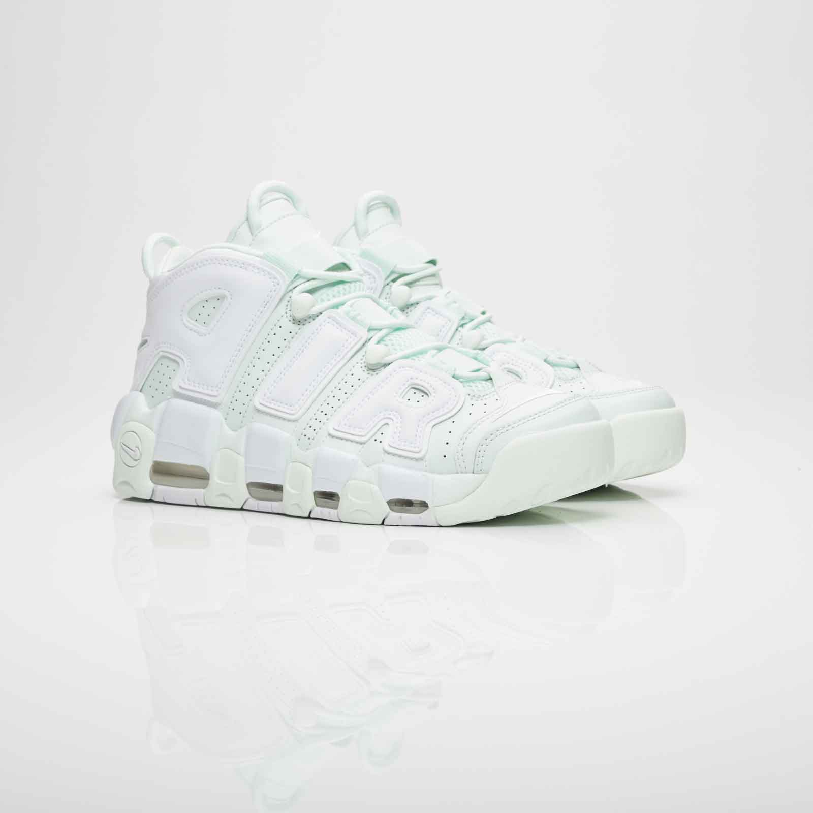 Nike Wmns Air More Uptempo - 917593-300 - Sneakersnstuff  02cb9ba7ac00