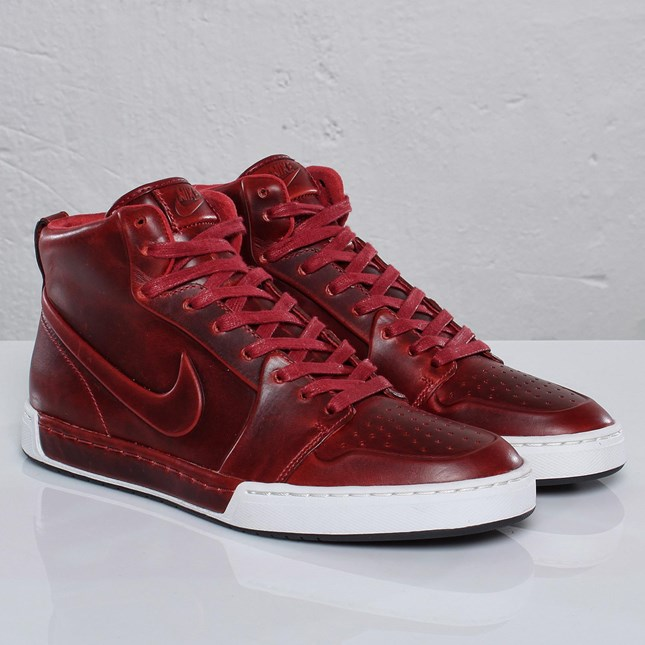 Nike Air Royal Mid VT